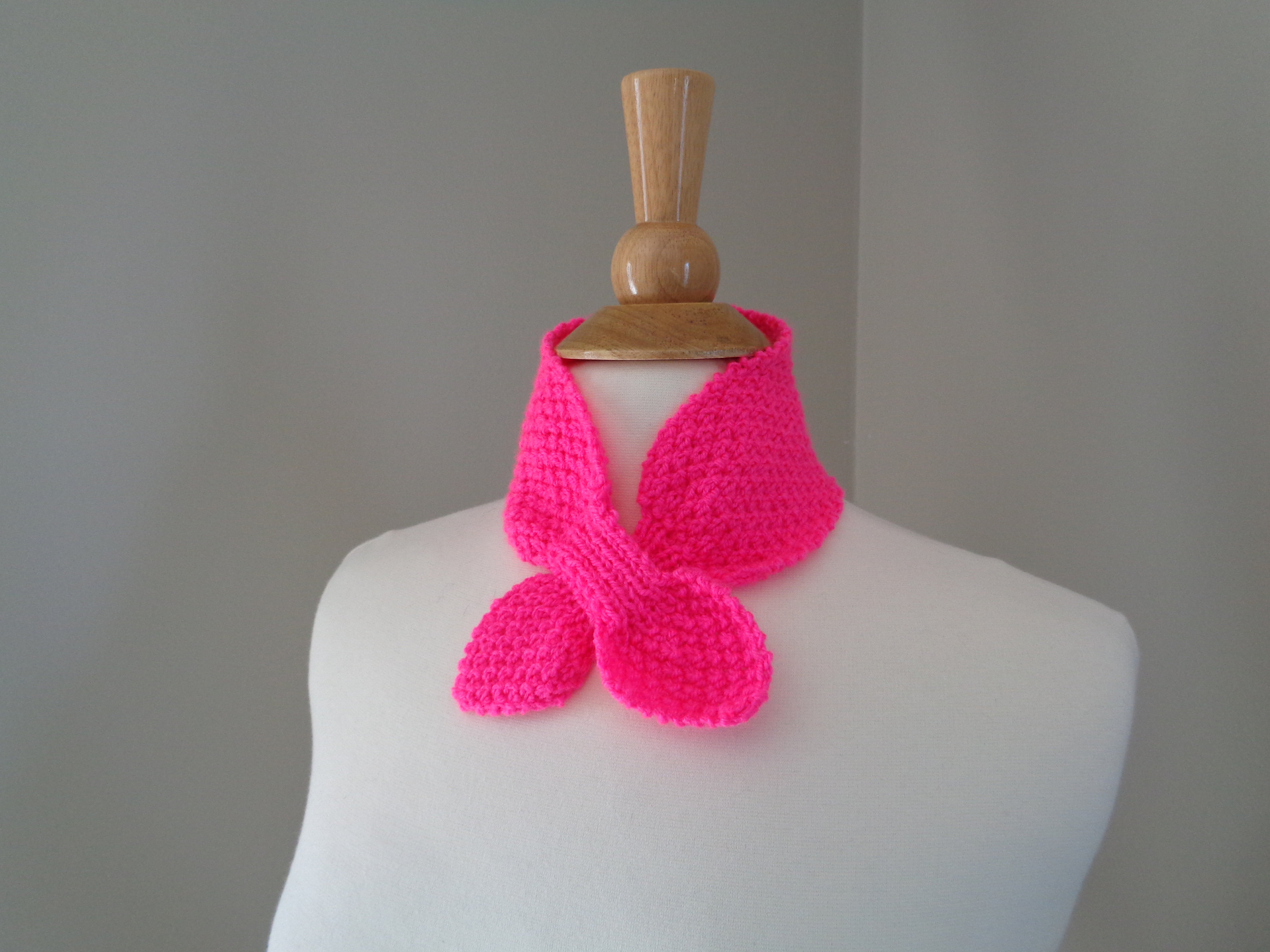 Ascot Scarf Knitting Pattern Girls Ascot Scarf Bright Pink 100 Acrylic Hand Knit Neck Warmer Small