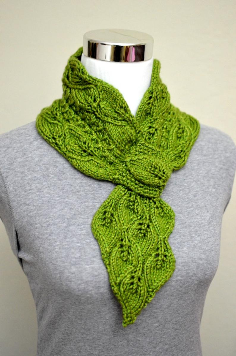 Ascot Scarf Knitting Pattern Leaves And Mock Cables Scarf Keyholeascotpull Throughvintagestay On Scarf Knitting Pattern