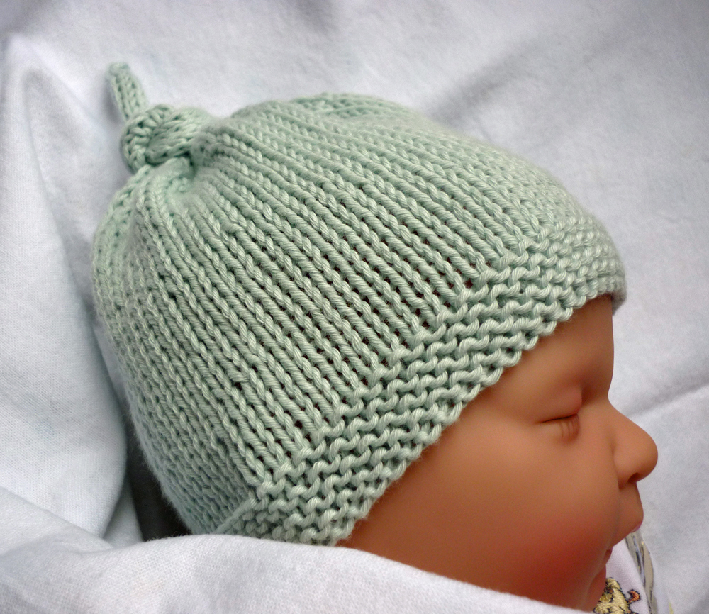 Baby Beanie Hat Knitting Pattern Mack And Mabel Free Knitting Pattern Ba Hat With Top Knot