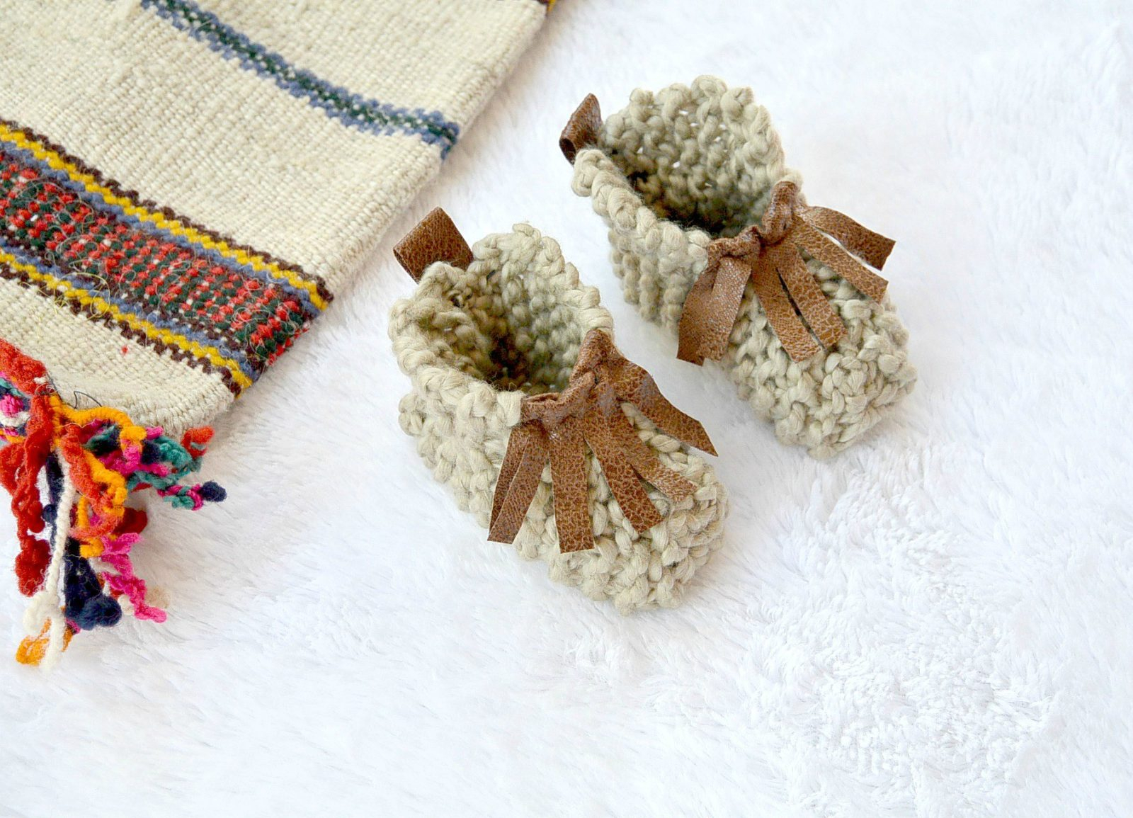 Basic Baby Booties Knitting Pattern Beginner Knit Ba Booties Moccasins Mama In A Stitch