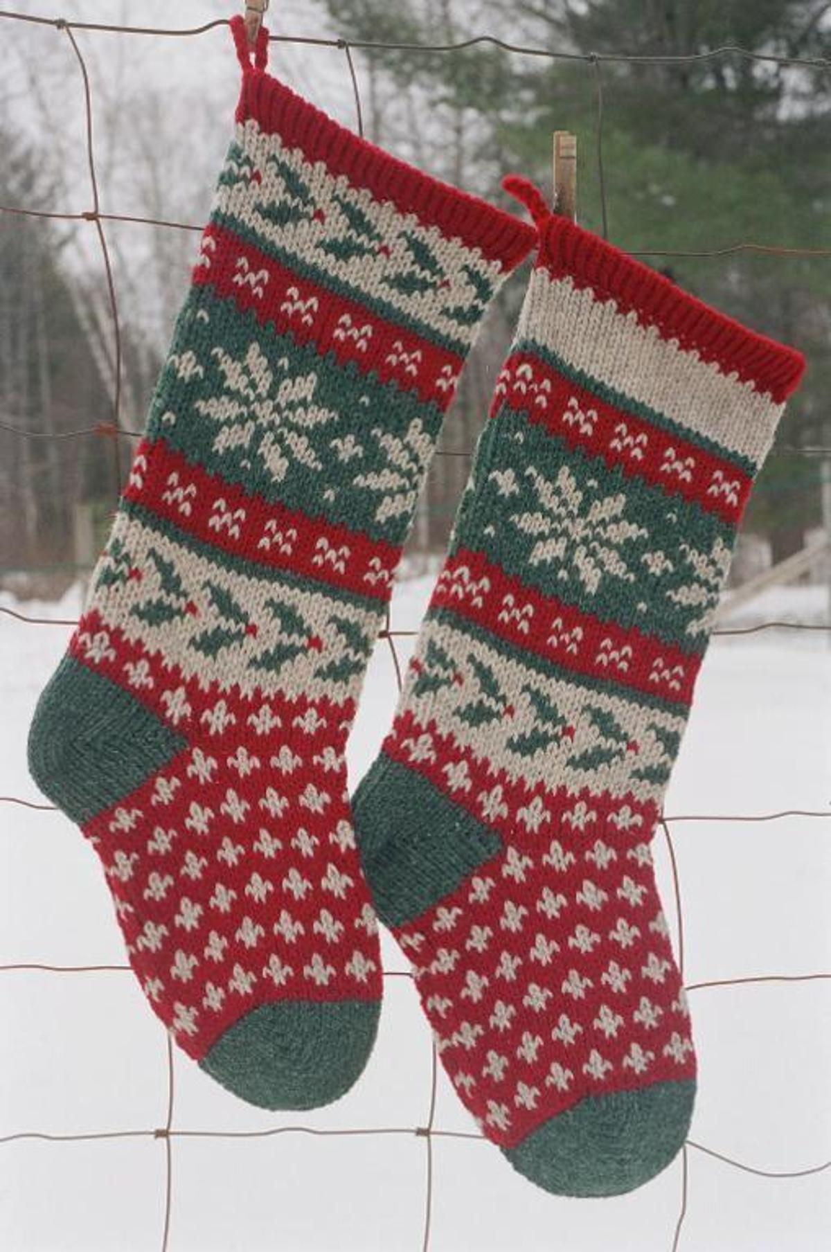 Christmas Stocking Knitting Patterns Knitted Christmas Stocking Patterns For Real Christmas Feel