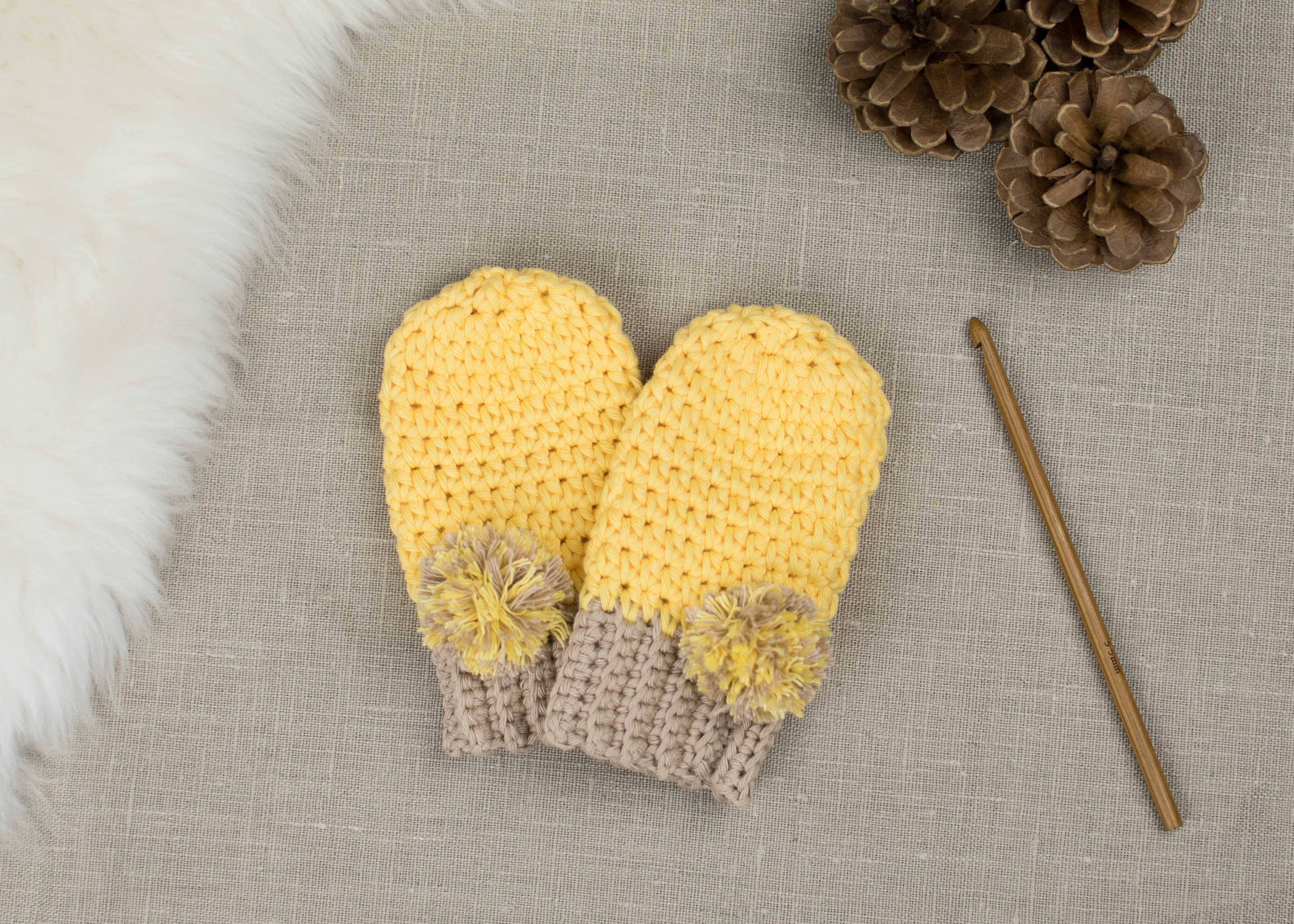 Free Baby Knitting Patterns 8 Ply Free Pattern How To Crochet Ba Mittens Cro Patterns