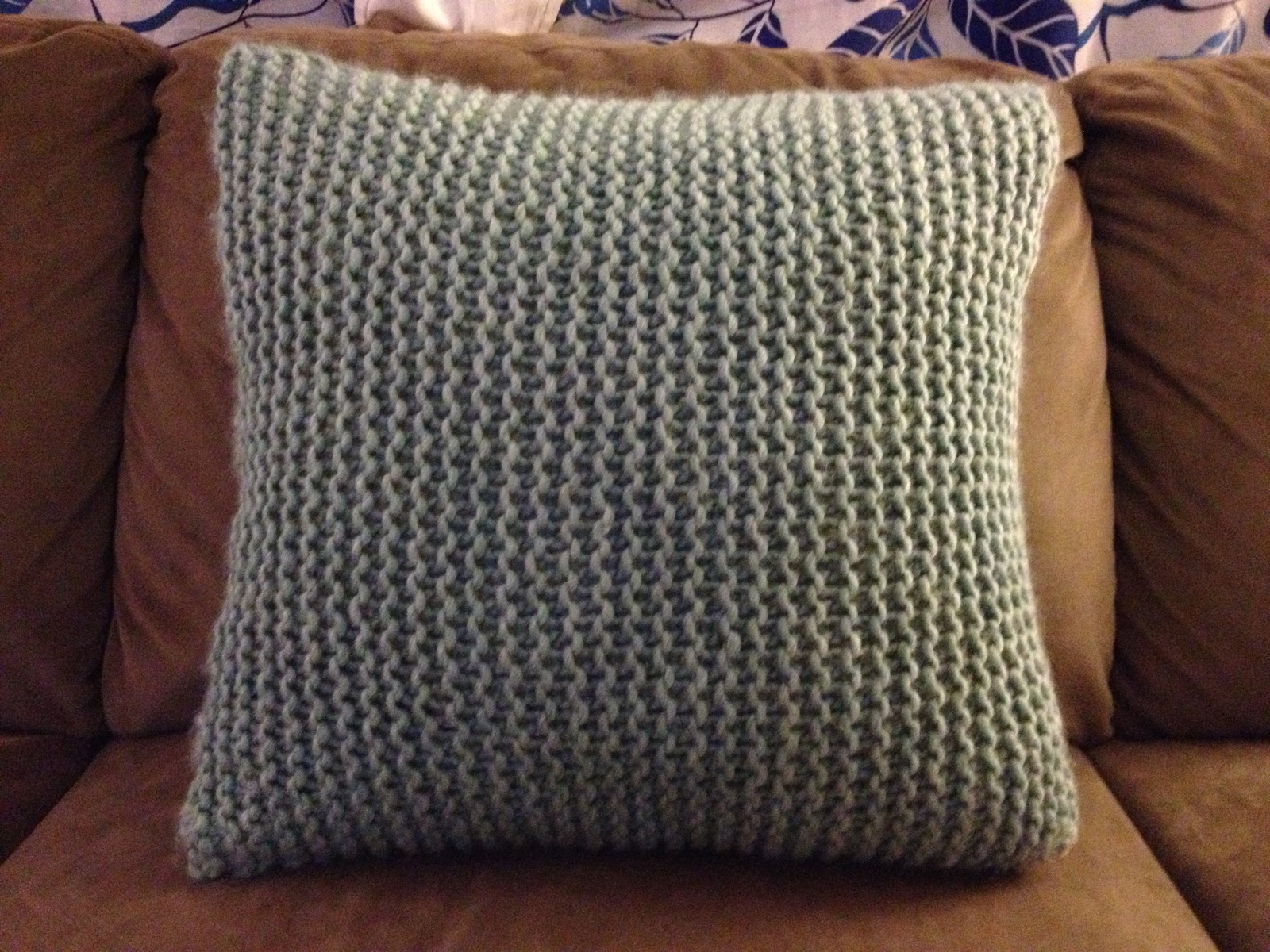 Free Cushion Cover Knitting Pattern Free Knitting Patterns For Cushions In Cable Knit Tags Chunky Wool