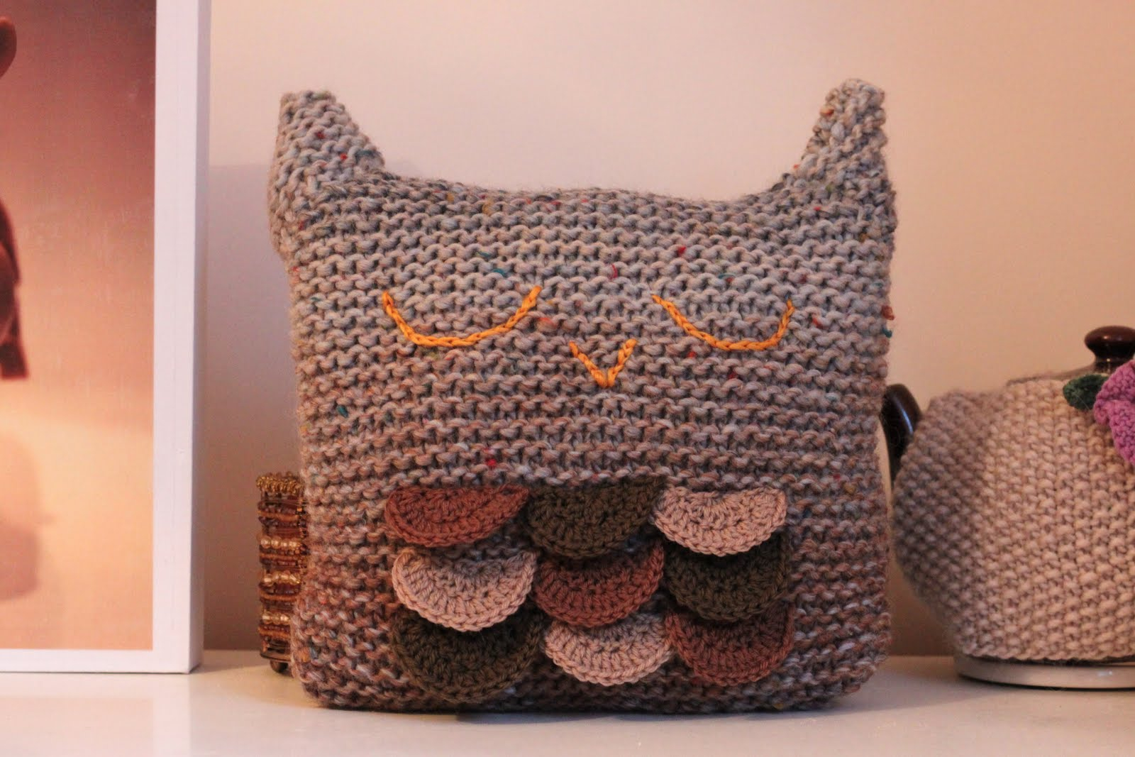 Free Cushion Cover Knitting Pattern Knittingpony Sleepy Owl Cushion Free Knitting Pattern