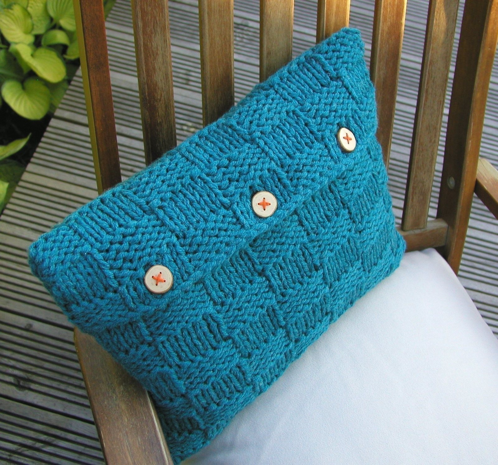 Free Cushion Knitting Patterns Checkerboard Cushion Cover How To Stitch A Knit Or Crochet Cushion