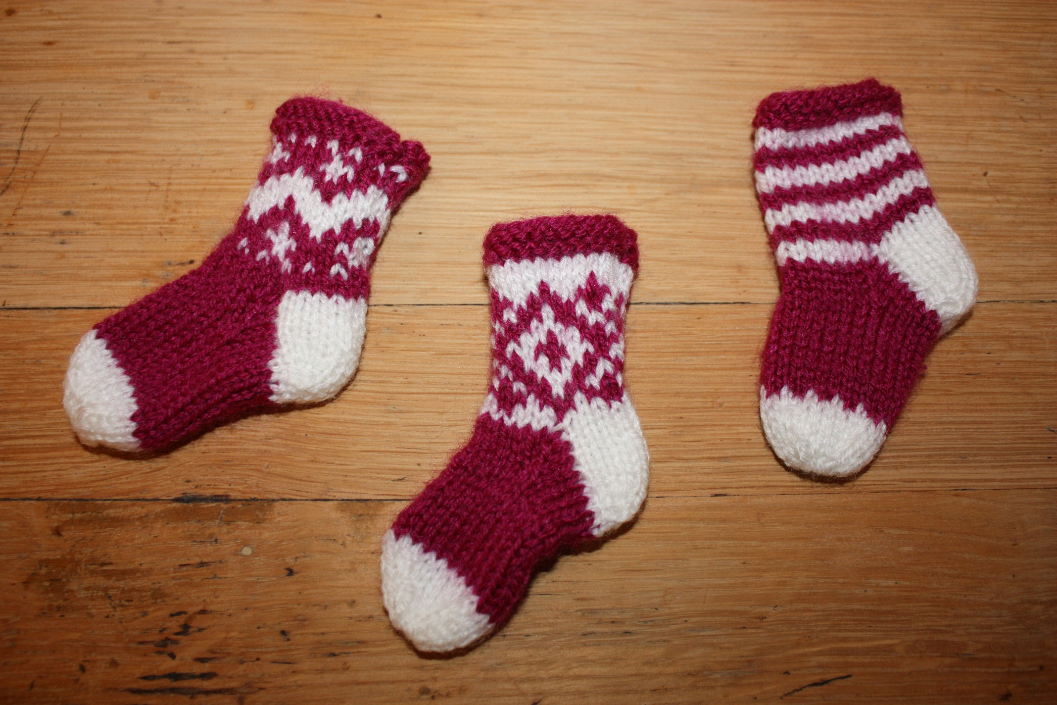 Free Knit Christmas Stocking Pattern Decorating Cute Interior Home Decorating Ideas With Sweet Knit
