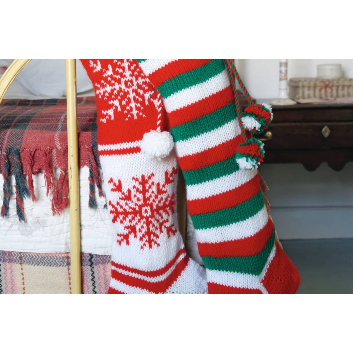 Free Knit Christmas Stocking Pattern Free Pattern Knit A Christmas Stocking Pattern Hobcraft
