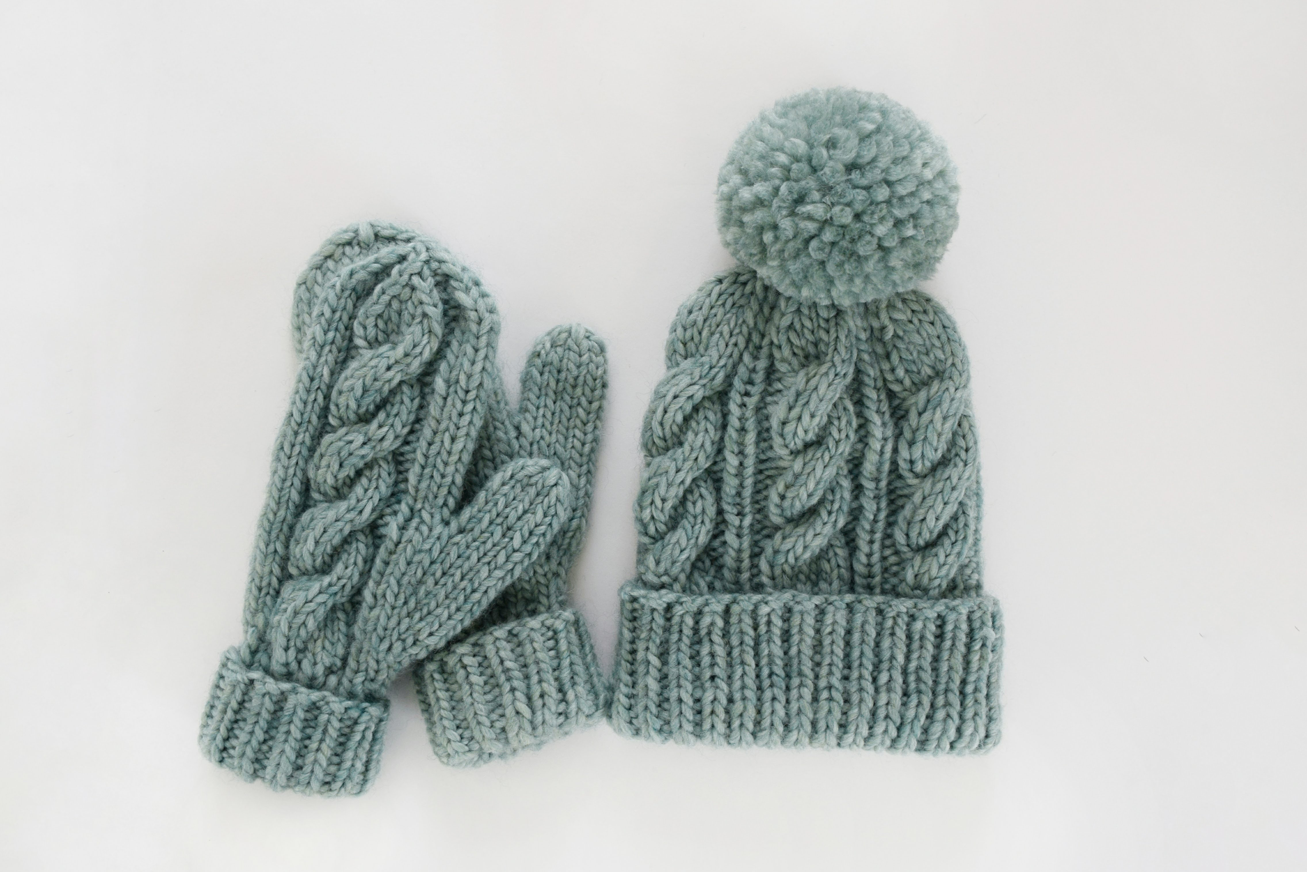 Free Knitted Glove Patterns Classic Cabled Hat Mittens Free Pattern