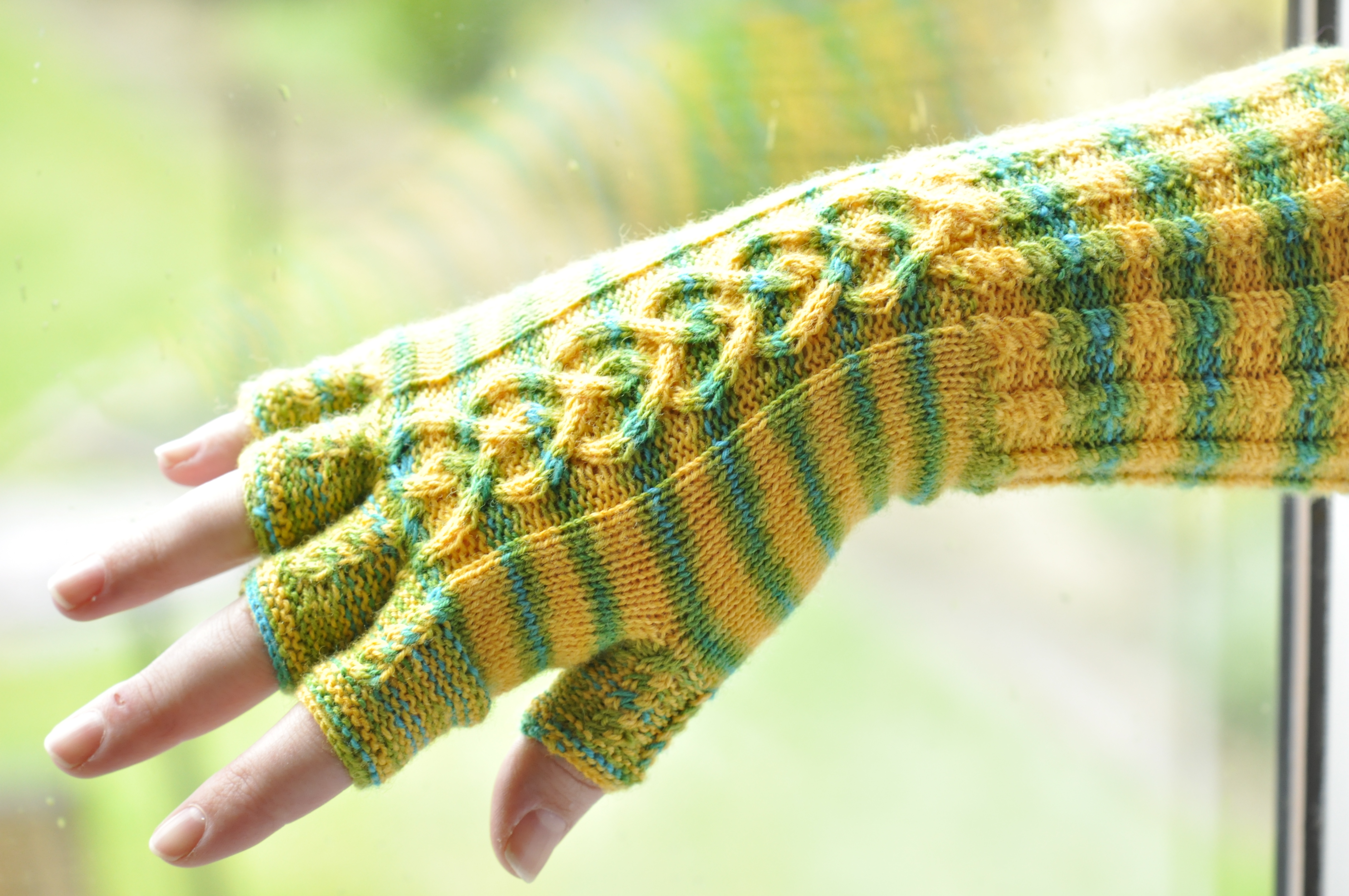 Free Knitted Glove Patterns Daffodil Love Gloves A Free Knitting Pattern Designs Elseline