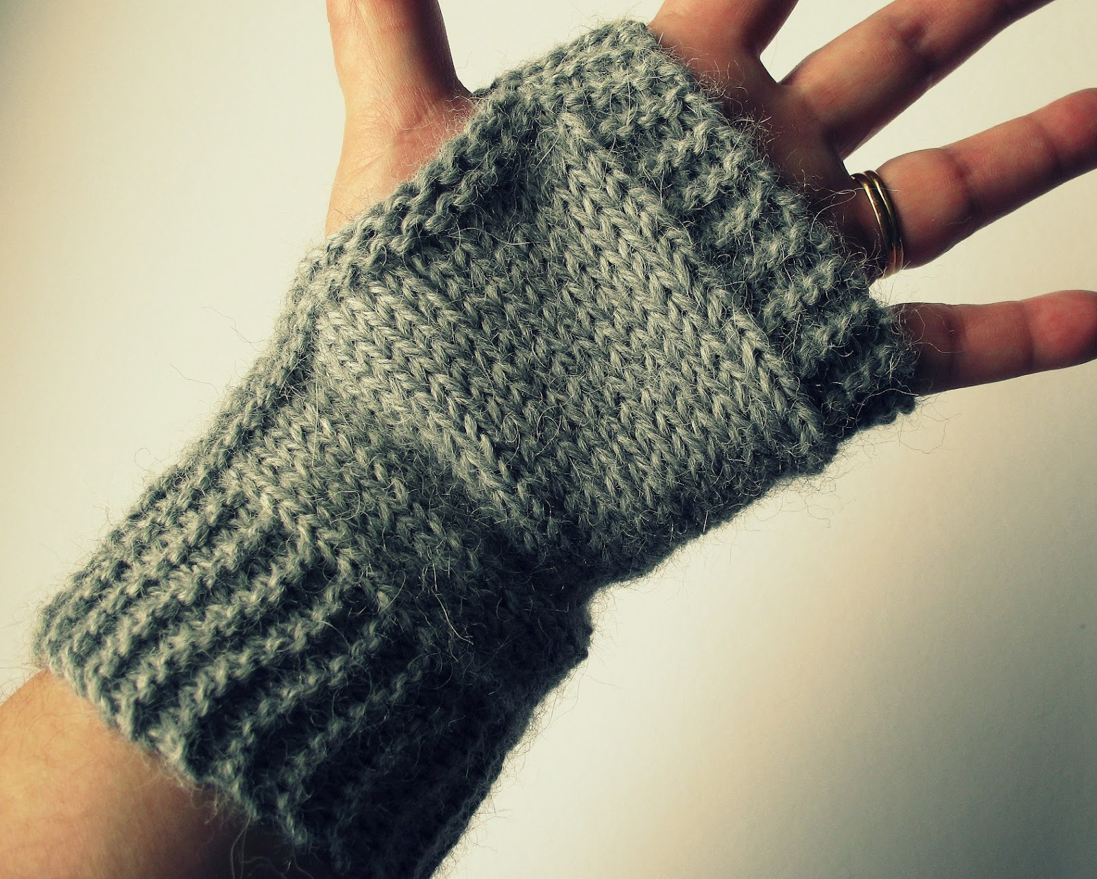 Free Knitted Glove Patterns Free Gothic Fingerless Gloves Knitting Patterns Fo