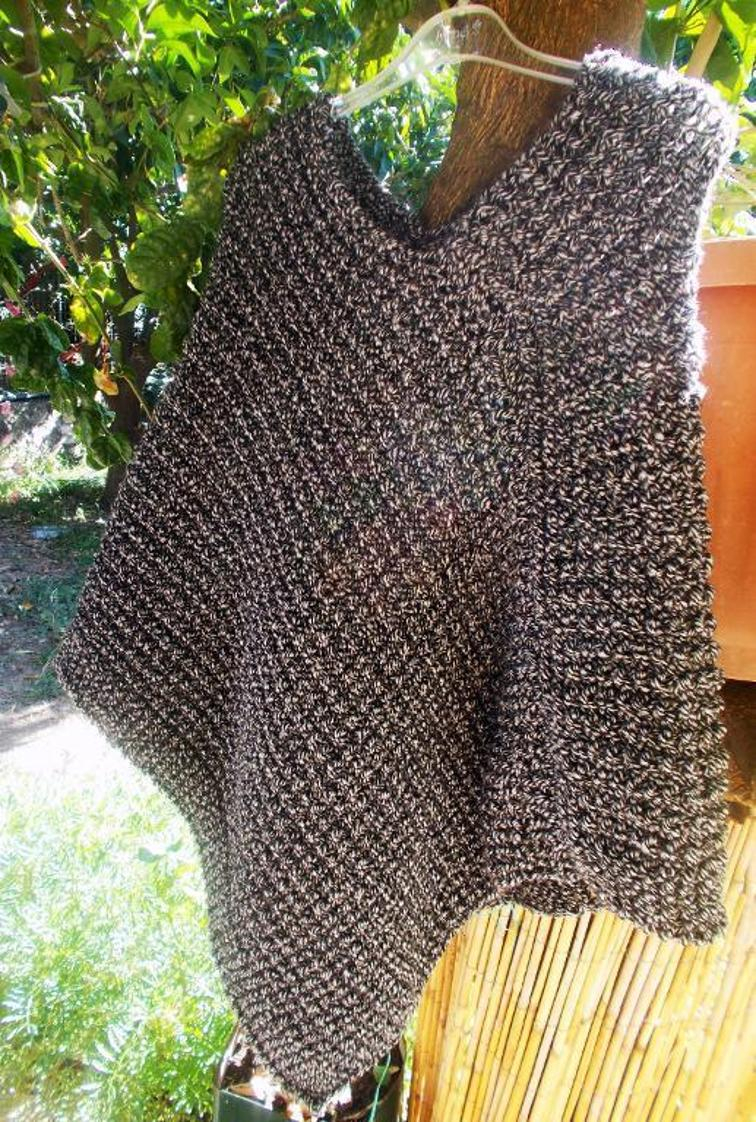 Free Knitting Pattern For A Poncho Modern Stylish Poncho Knitting Patterns Kits