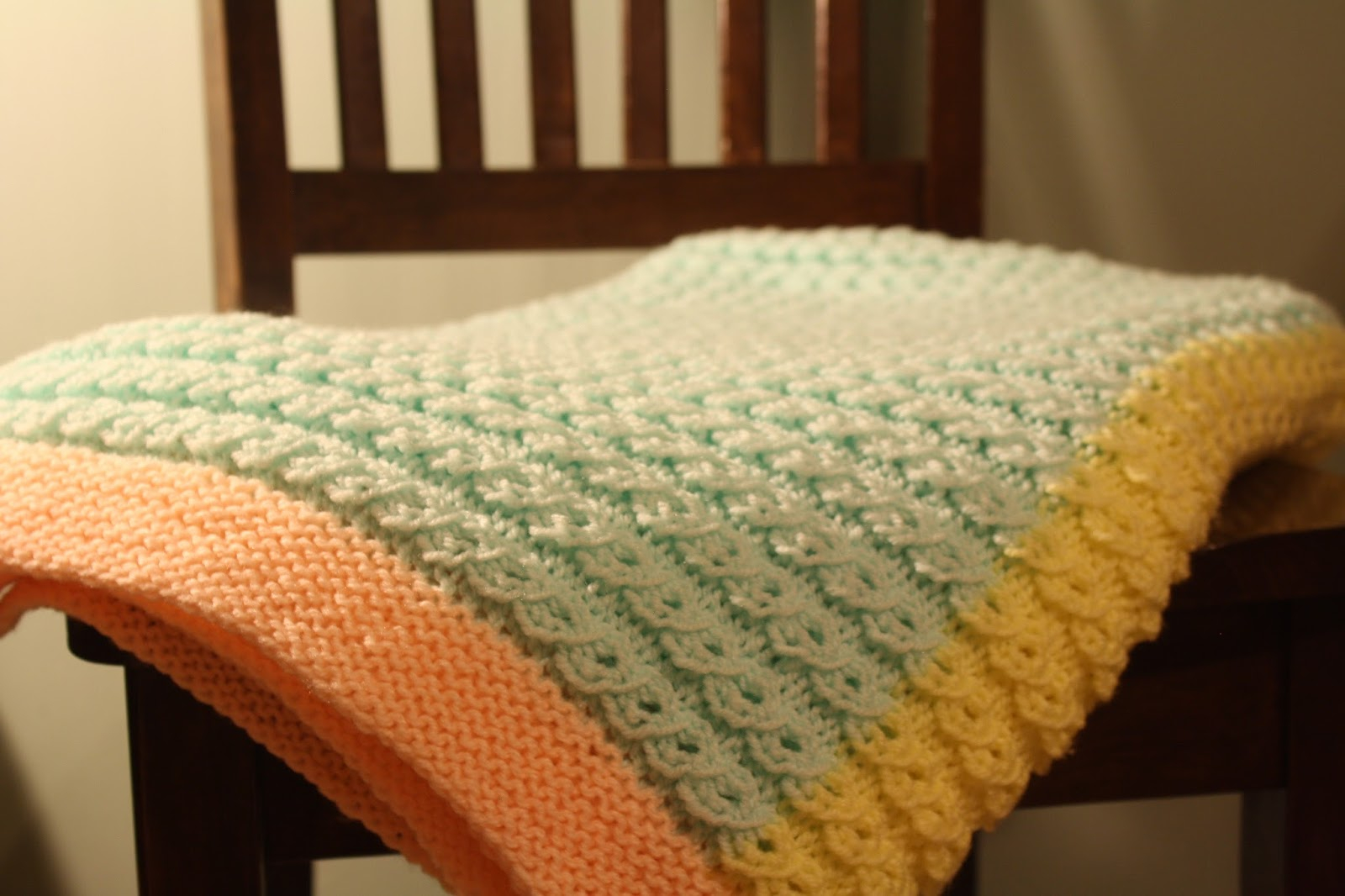 Free Knitting Patterns For Baby Blankets Ba Blanket Knitting Pattern Scallop