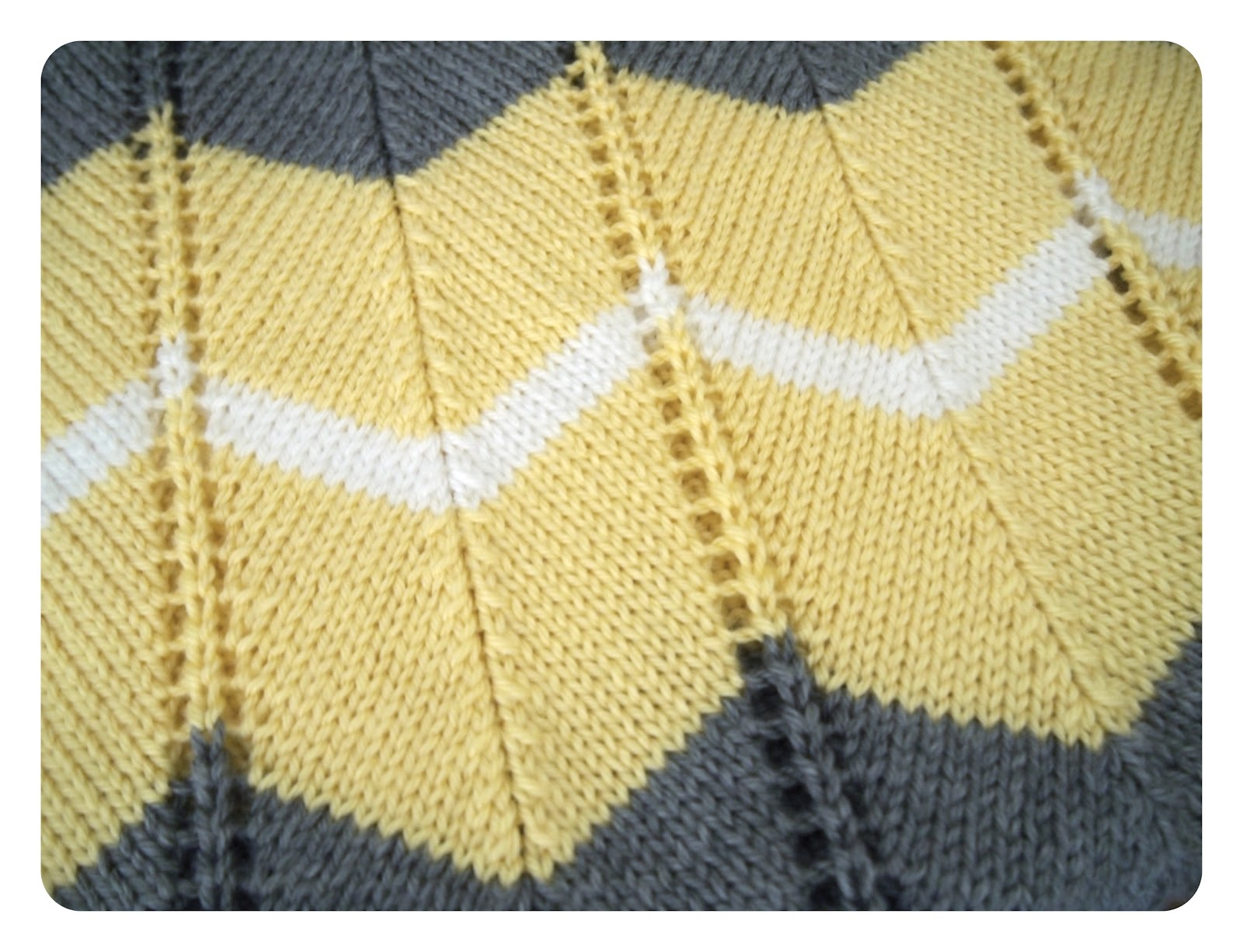 Free Knitting Patterns For Baby Blankets She Is Crafting My Doom Striped Chevron Ba Blanket Free