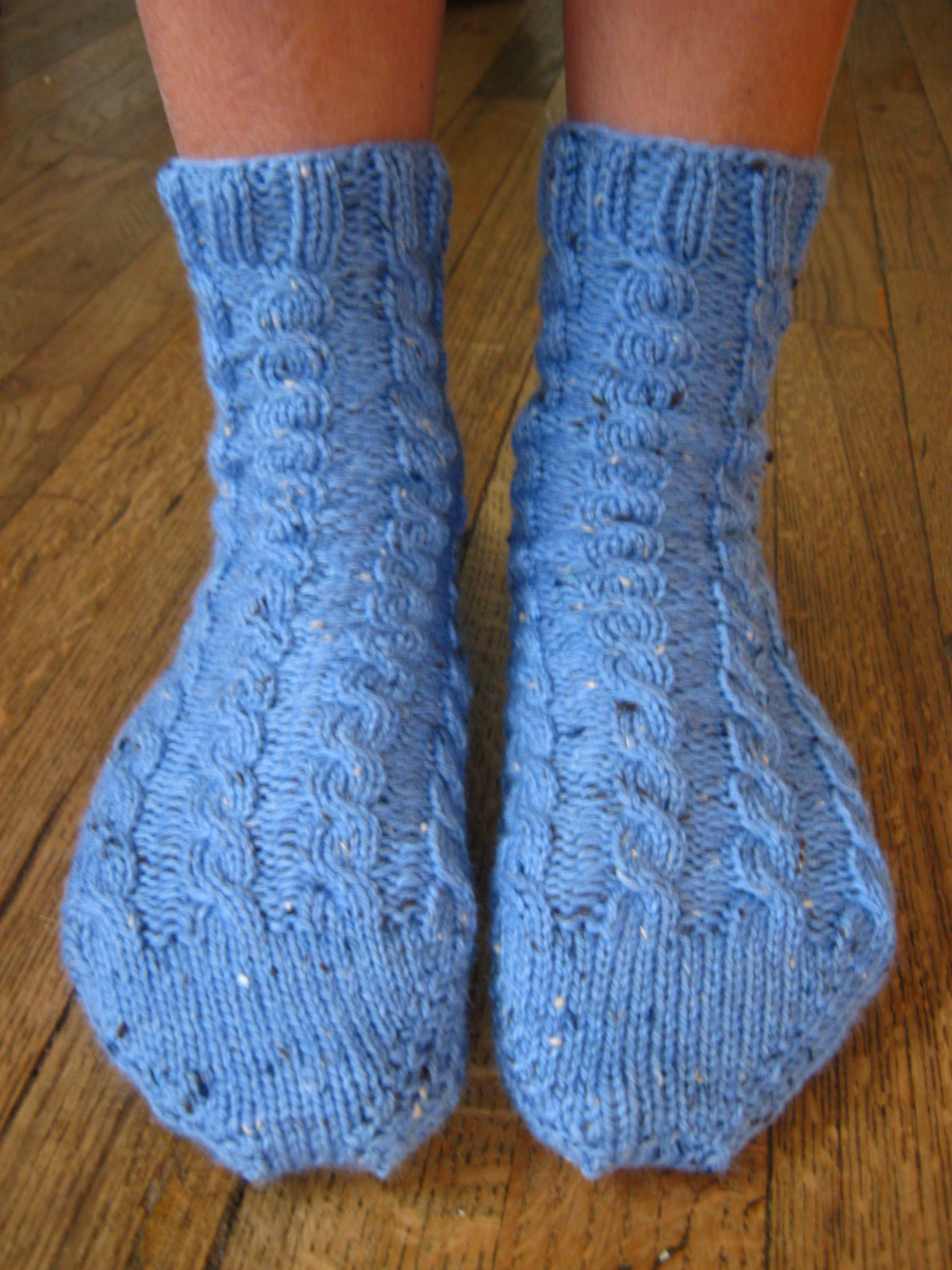Free Knitting Patterns For Bed Socks Socks Threadsnstitches