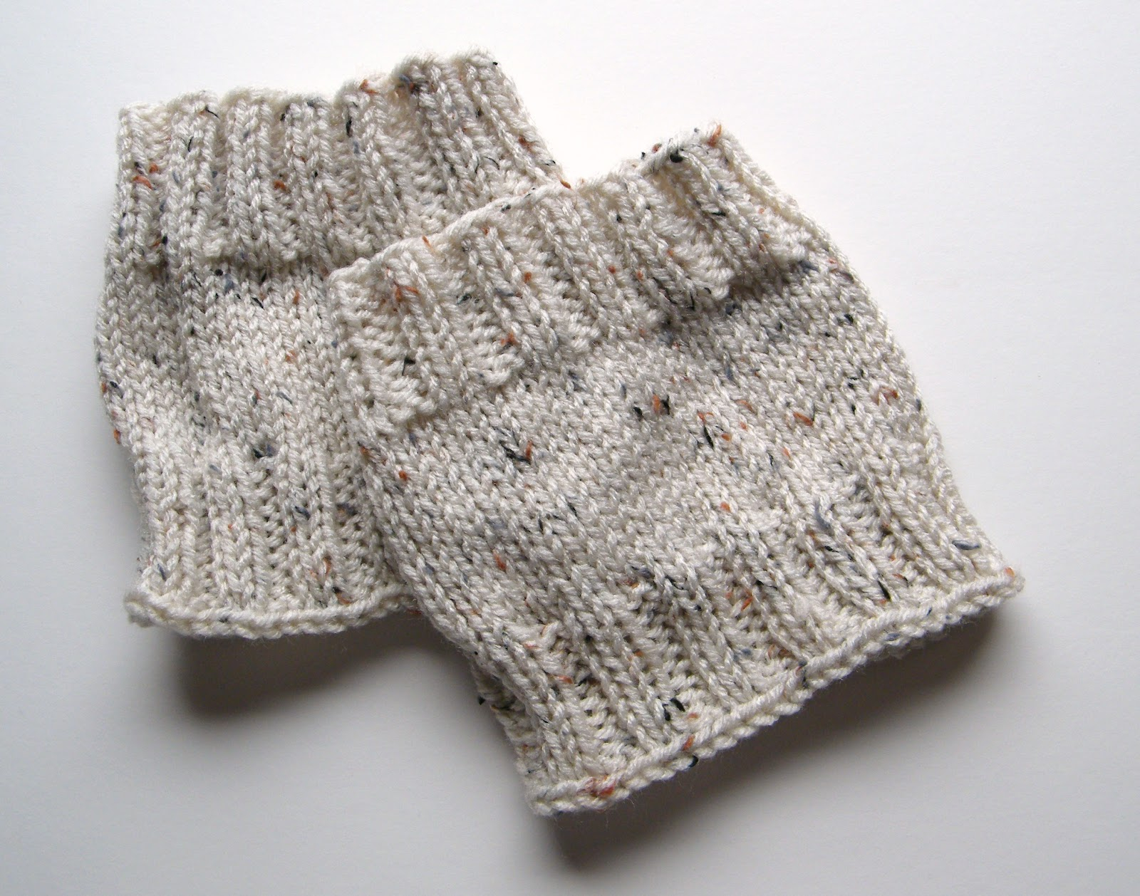 Free Knitting Patterns For Boot Toppers 23 Boot Cuff Knitting Patterns Kriskrafter Free Knit Pattern 2