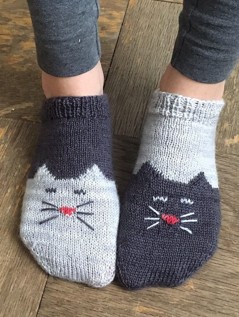 Free Knitting Patterns For Socks On Four Needles Socks Threadsnstitches