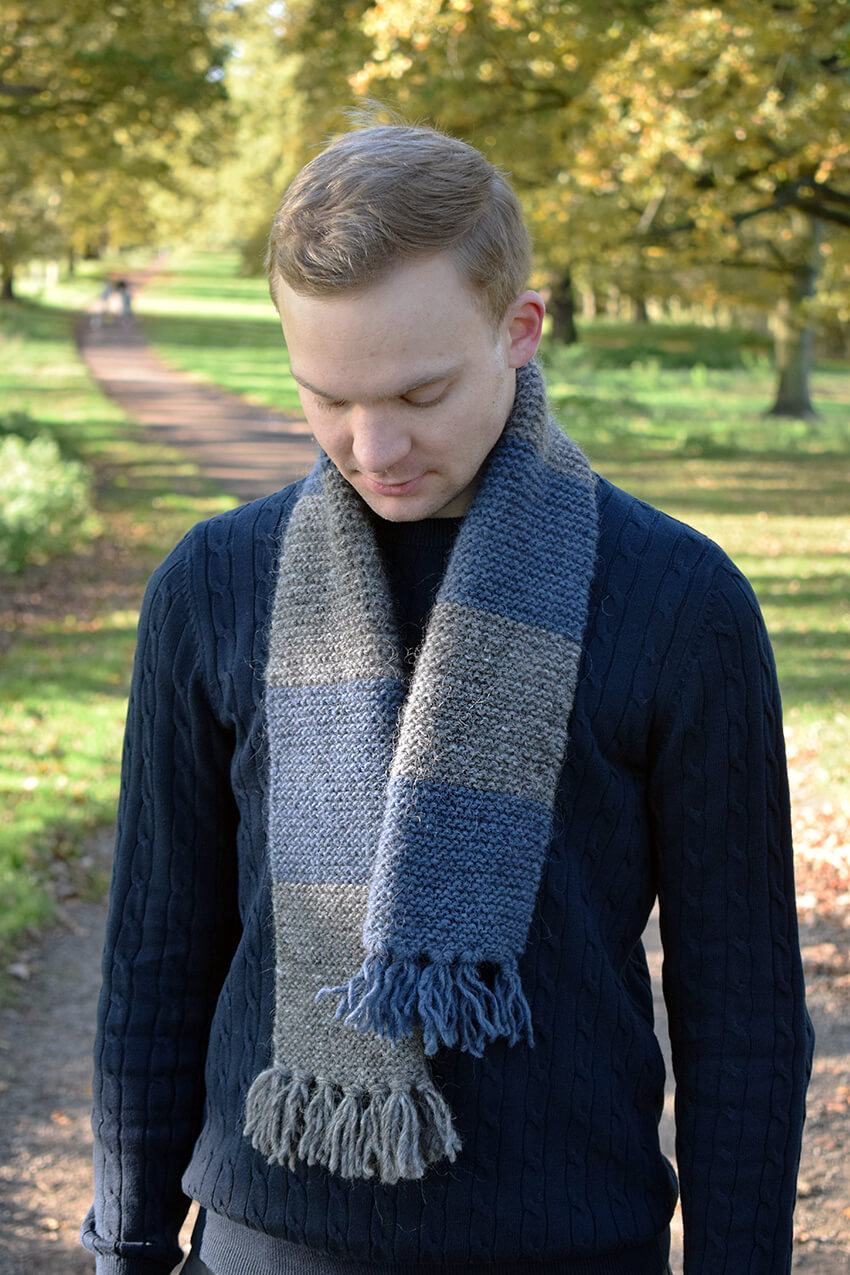 Hand Knit Scarf Pattern Easy Mens Scarf Knitting Pattern With Striped Detail The Crafty