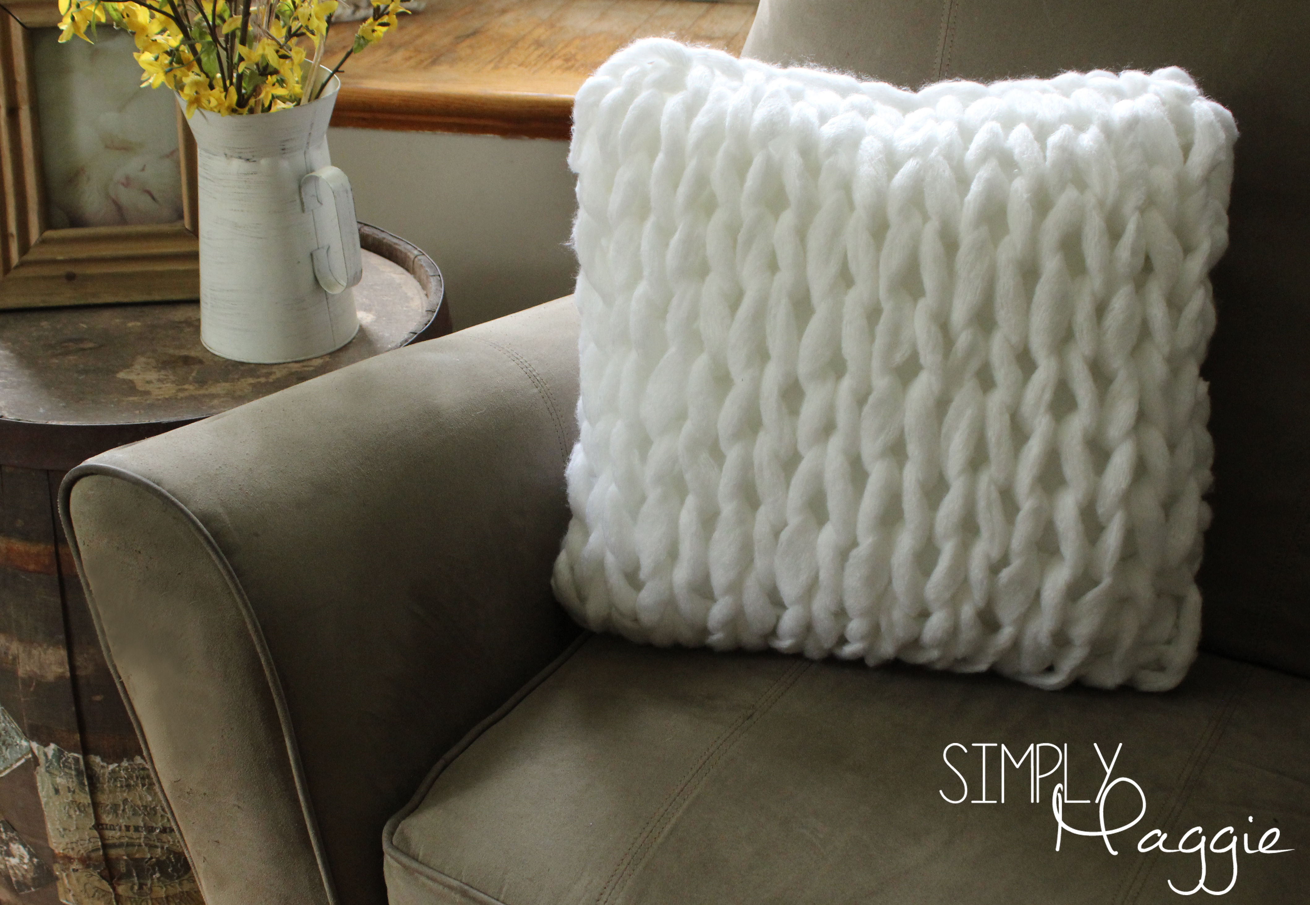 Hand Knitted Throw Patterns One Hour Arm Knit Pillow Pattern Simply Maggie Simplymaggie