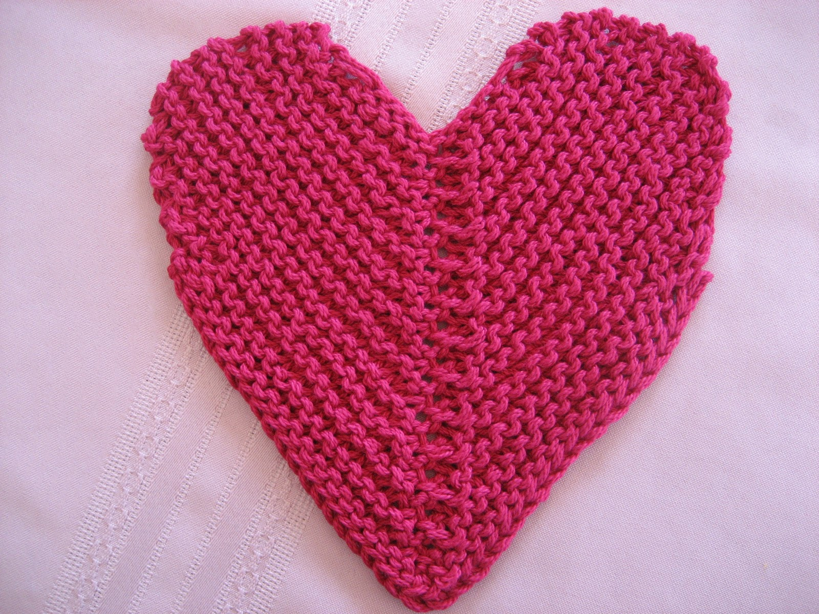Heart Shaped Dishcloth Knitting Pattern Red Hat Knitter What Am I Doing