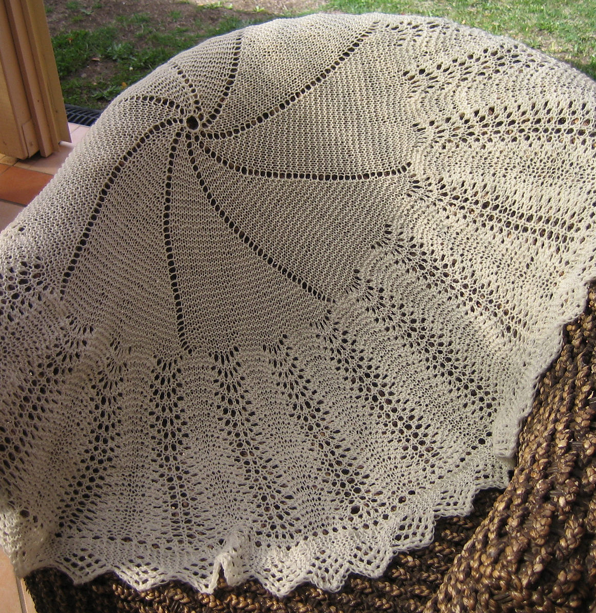 Knit Afghan Patterns Free Afghan In The Round Knitting Patterns In The Loop Knitting