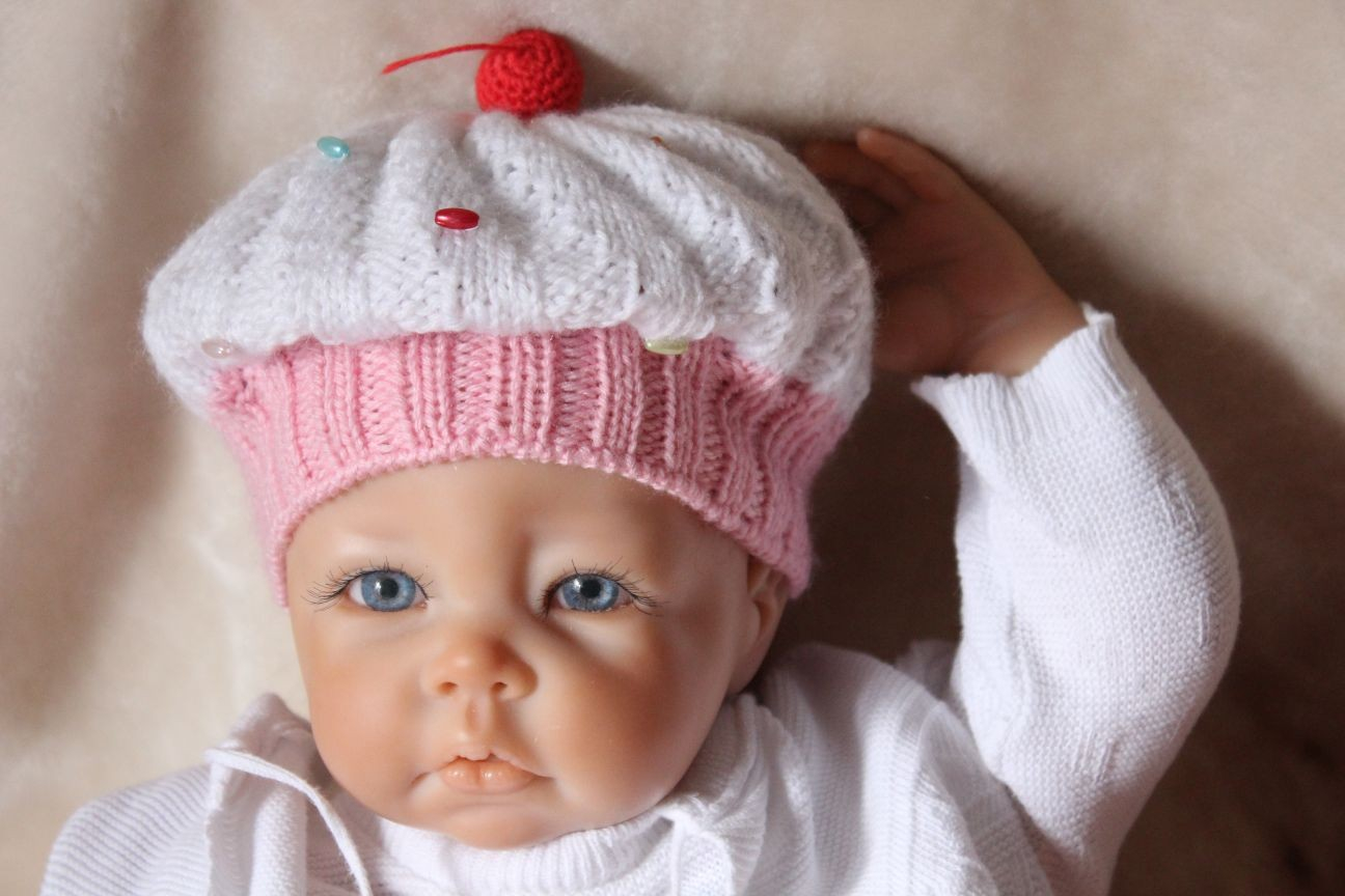 Knitted Cupcake Hat Pattern Free Knitting Pattern Cupcake Ba Hat