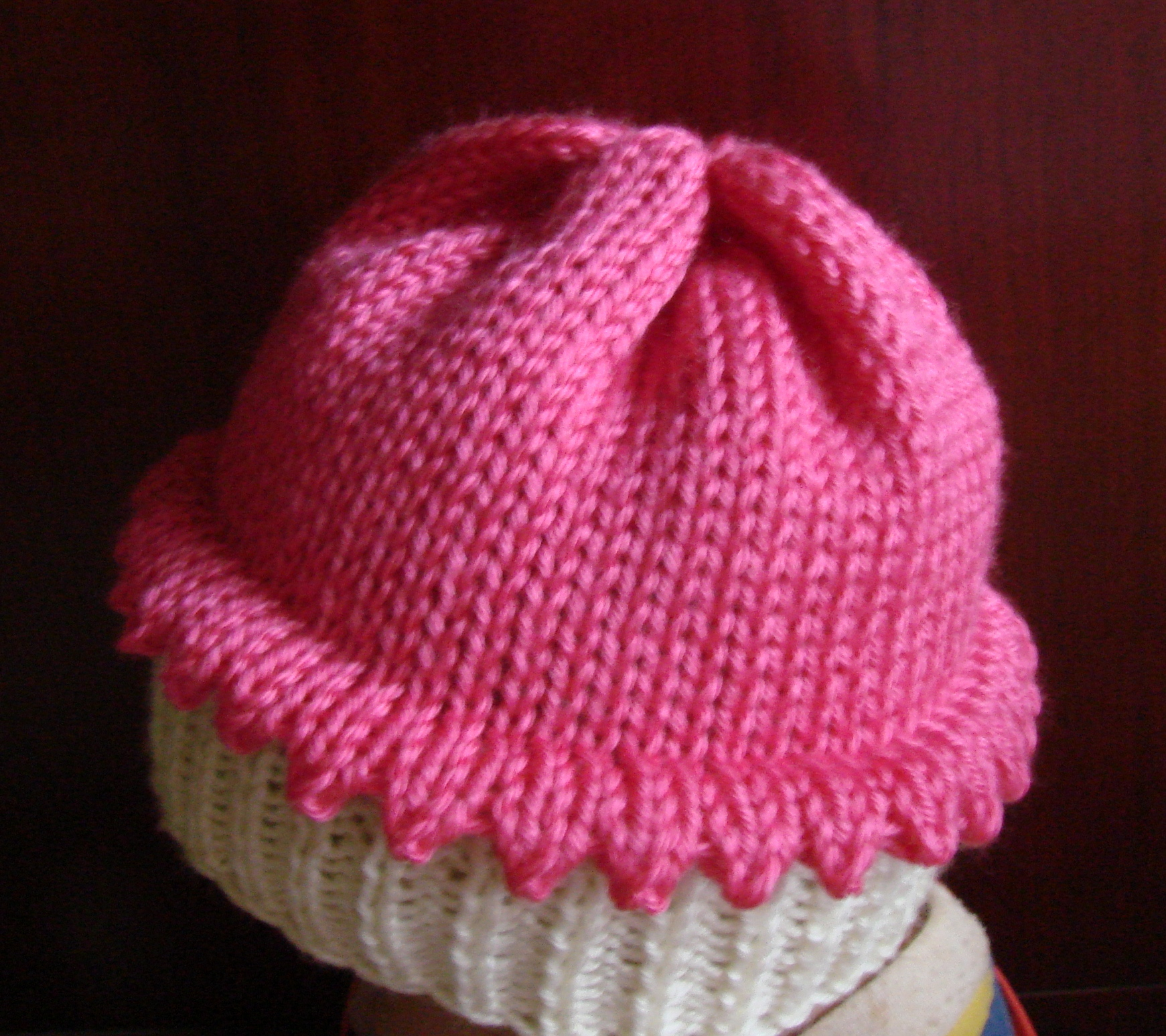 Knitted Cupcake Hat Pattern Knitted Cupcake Hat Cckittenknitss Weblog
