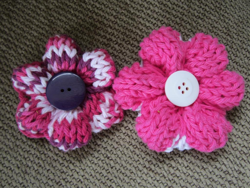 Knitted Flower Patterns Free No Watering No Wilting 7 Knit Flowers