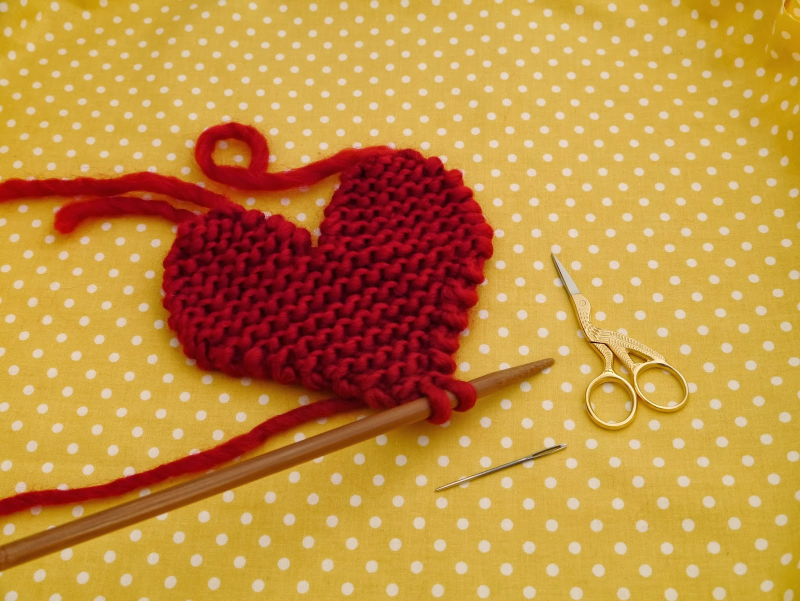 Knitted Heart Pattern How To Knit A Heart Julie The Knits
