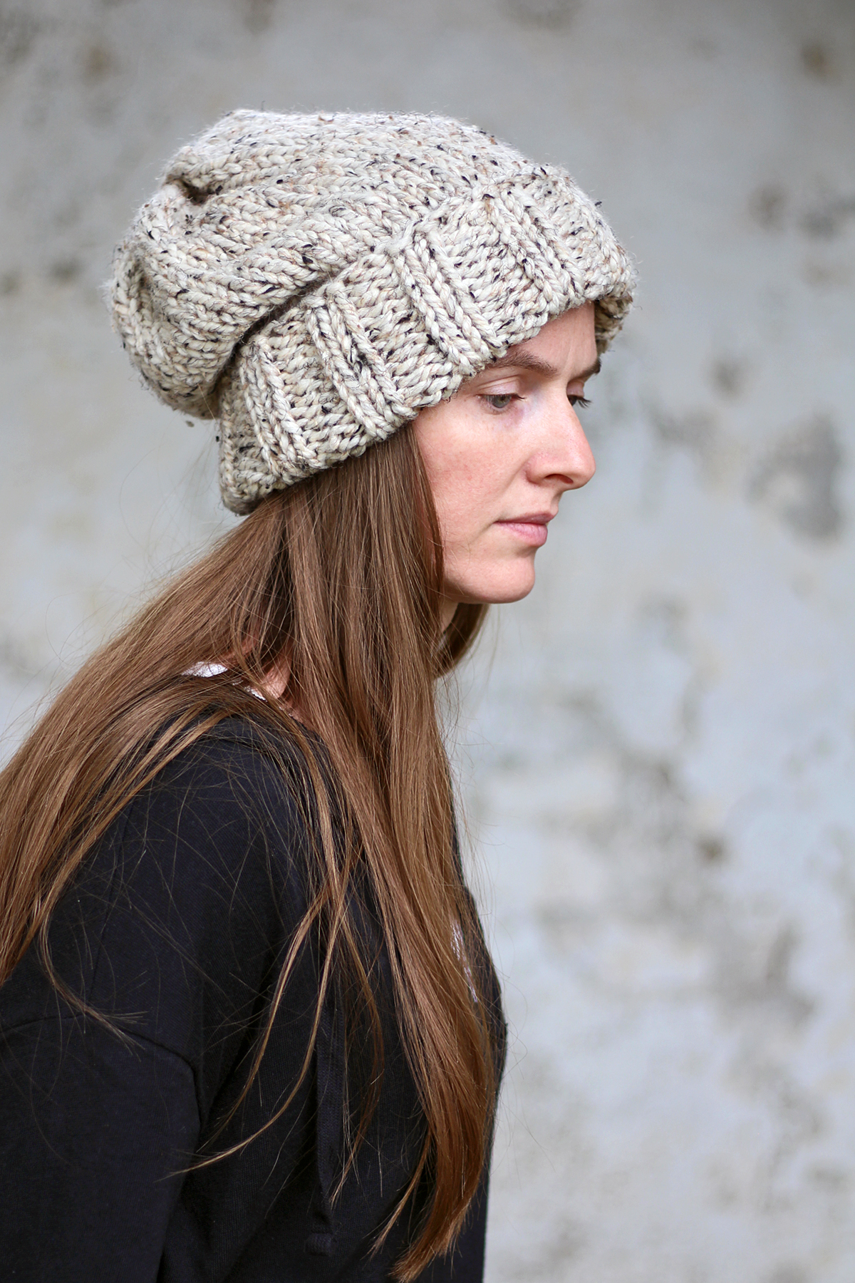 Knitted Slouchy Hat Pattern Wisdom Womens Slouchy Hat Knitting Pattern