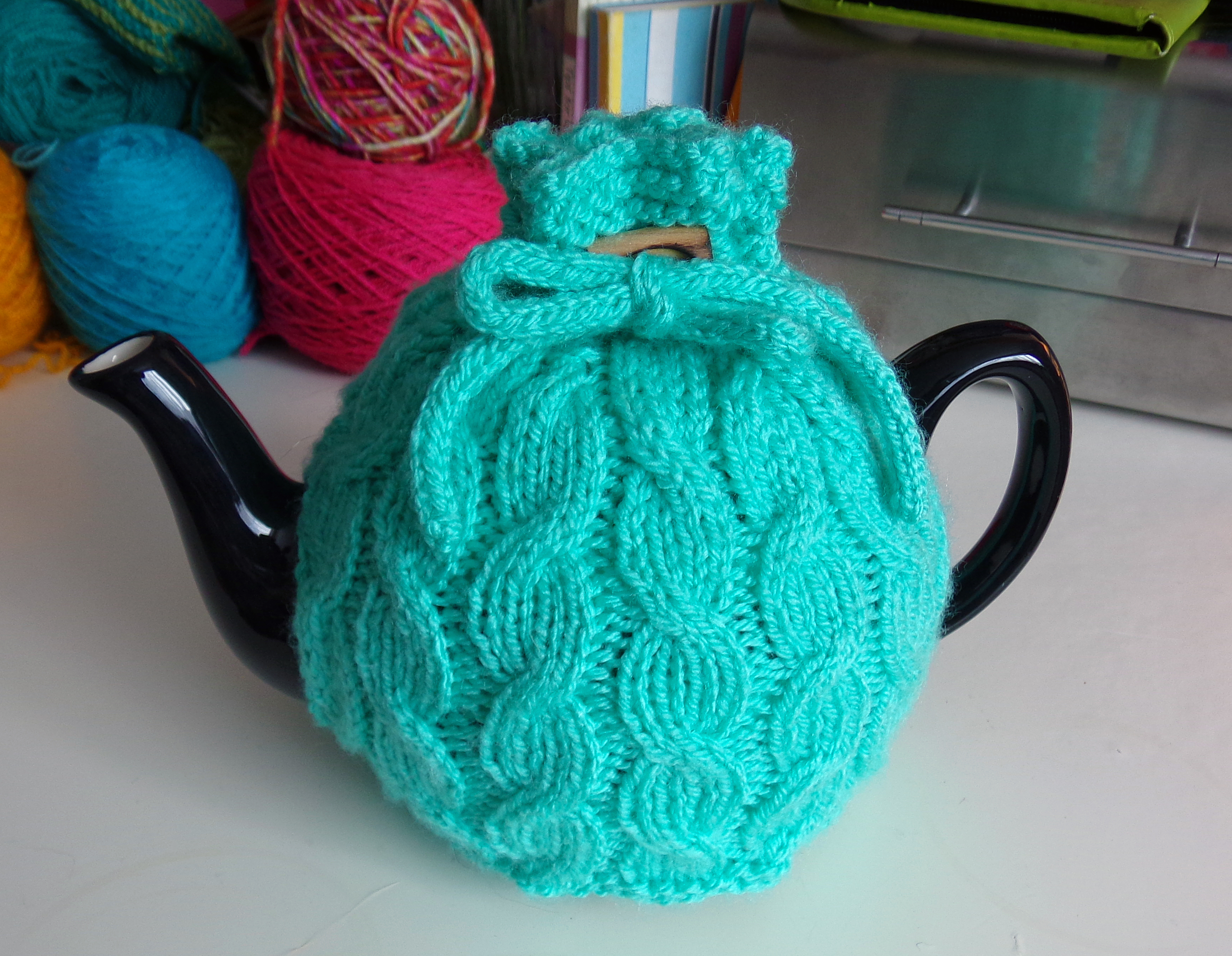 Knitted Tea Cosy Pattern Easy Three Free Tea Cosy Patterns Reviewed Or Why Tea Pots Are Better