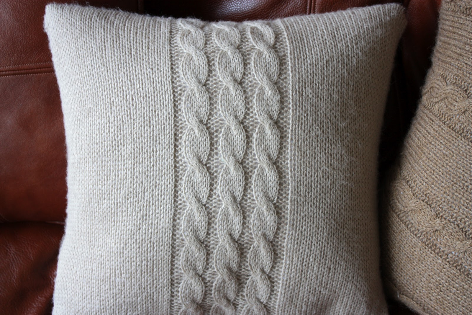 Knitting Pattern For Cushion Cover With Cables Natis Little Things Knitted Cushion Covers