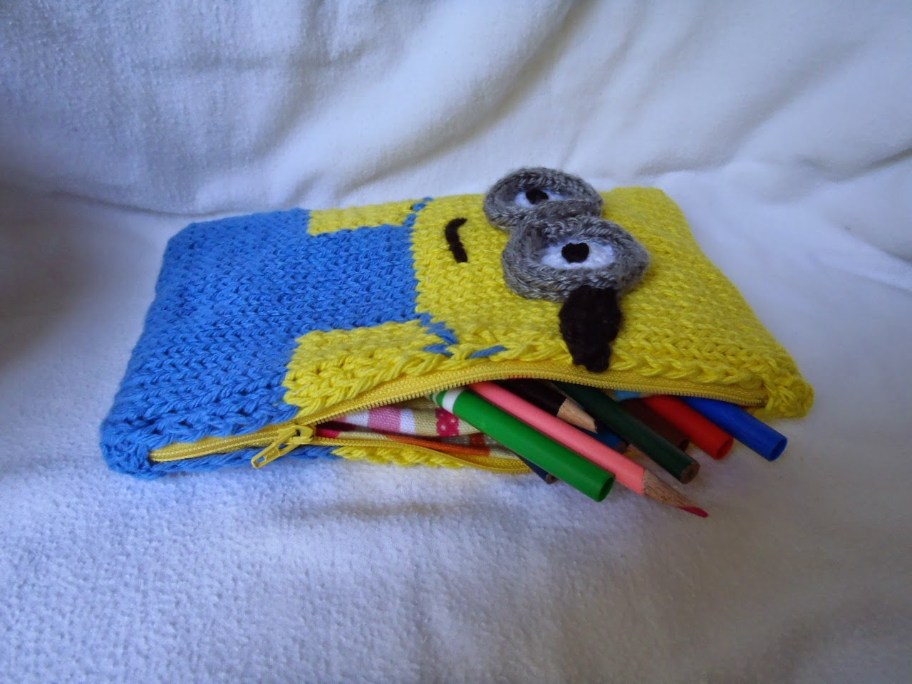 Knitting Patterns For Minion Hats Oh Those Minions Free Patterns To Knit Grandmothers Pattern Book