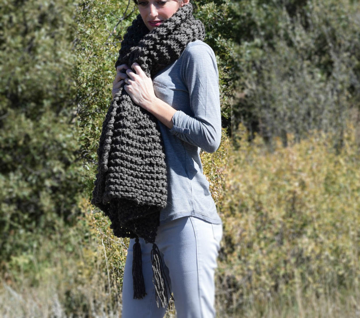 Knitting Scarf Pattern For Beginners Free Big Beginner Knit Shawl Scarf Pattern Mama In A Stitch