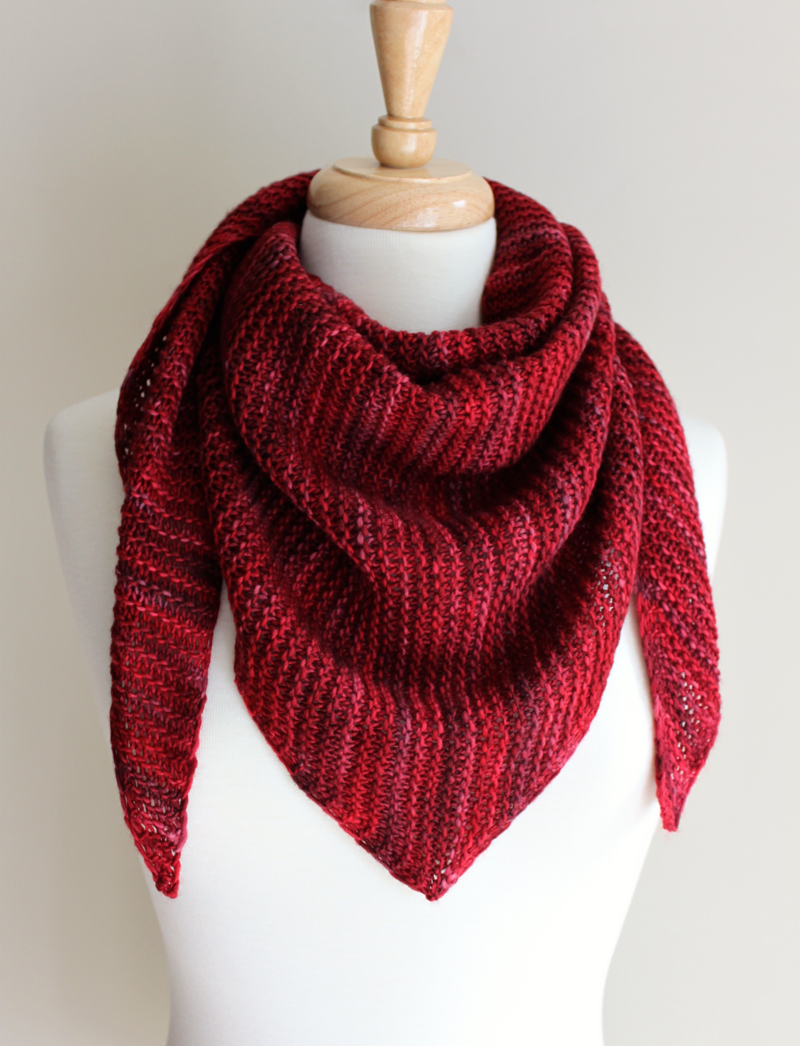 Knitting Scarf Pattern For Beginners Free Free Knitting Patterns Truly Triangular Scarf Leah Michelle Designs
