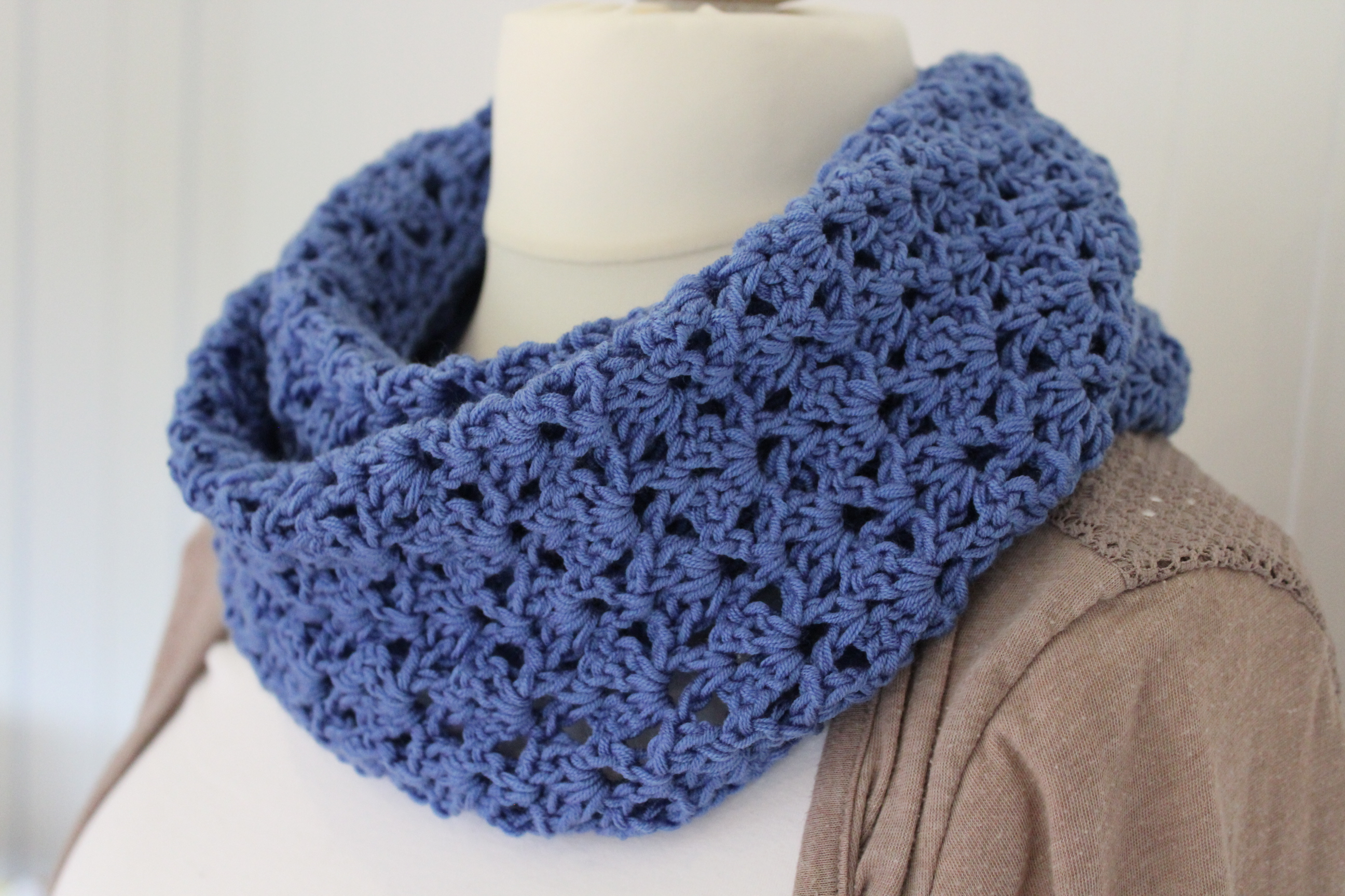 Loop Scarf Knitting Pattern Crochet Pattern For An Infinity Scarf In A Jeans Look