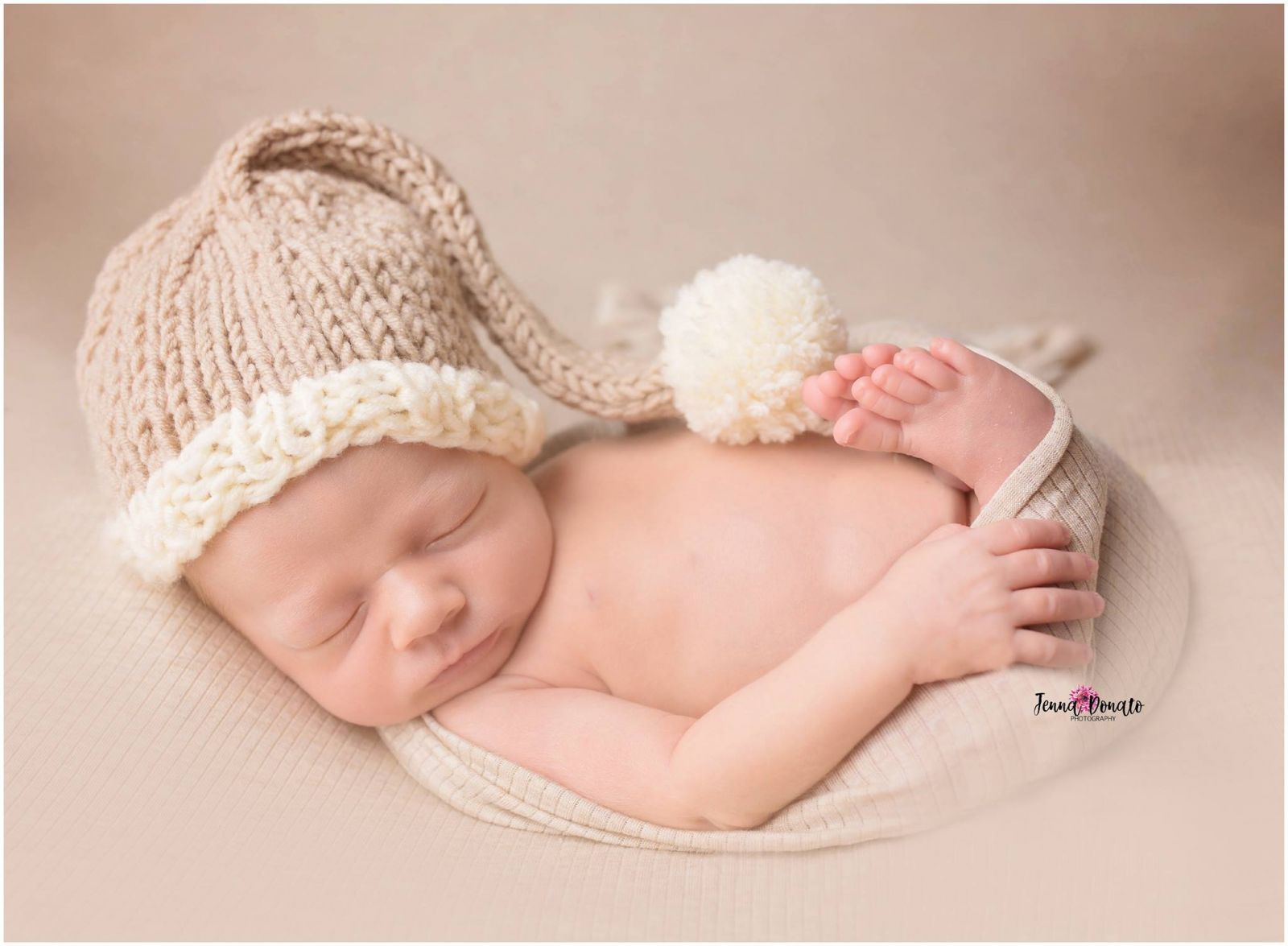 New Born Knitting Patterns Newborn Hat Pattern For The Holidays Free Knitting Patterns