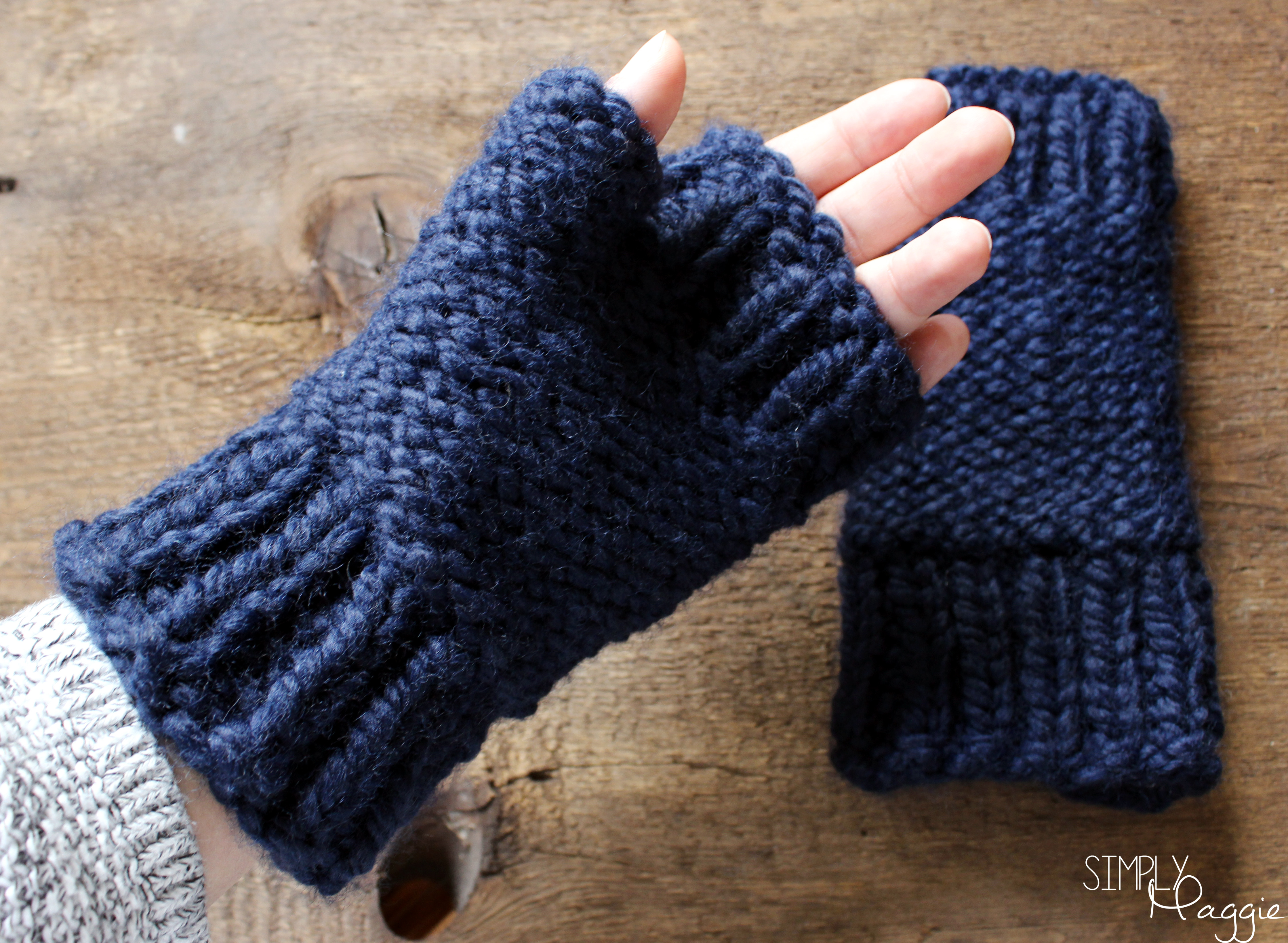 Simple Scarf Knitting Patterns For Beginners Chunky Fingerless Mittens Pattern Simplymaggie