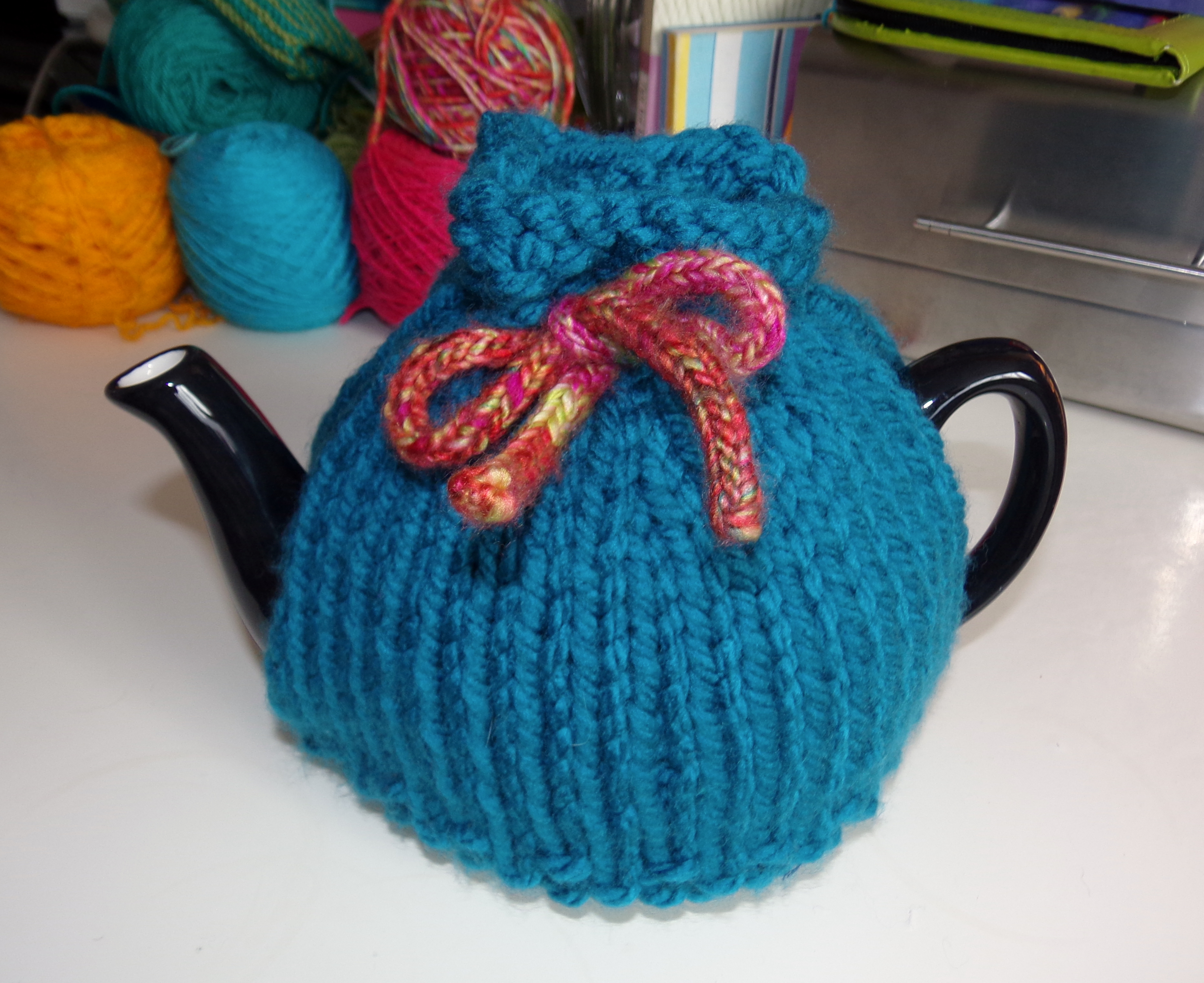 Tea Cosy Knitting Patterns Easy Three Free Tea Cosy Patterns Reviewed Or Why Tea Pots Are Better