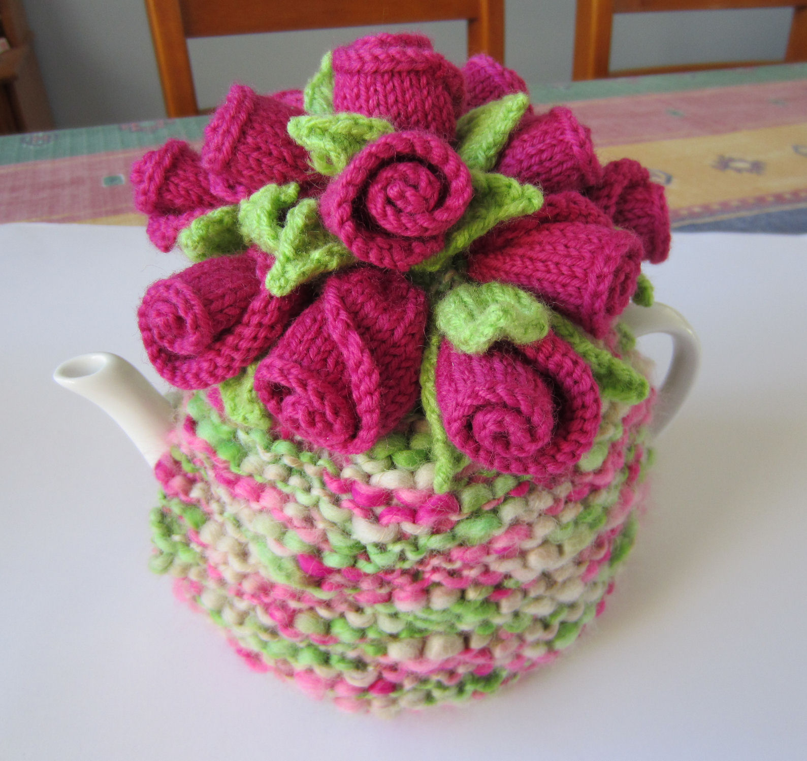 Tea Cozy Patterns To Knit Rosebuds Tea Cosy Free Knitting Pattern