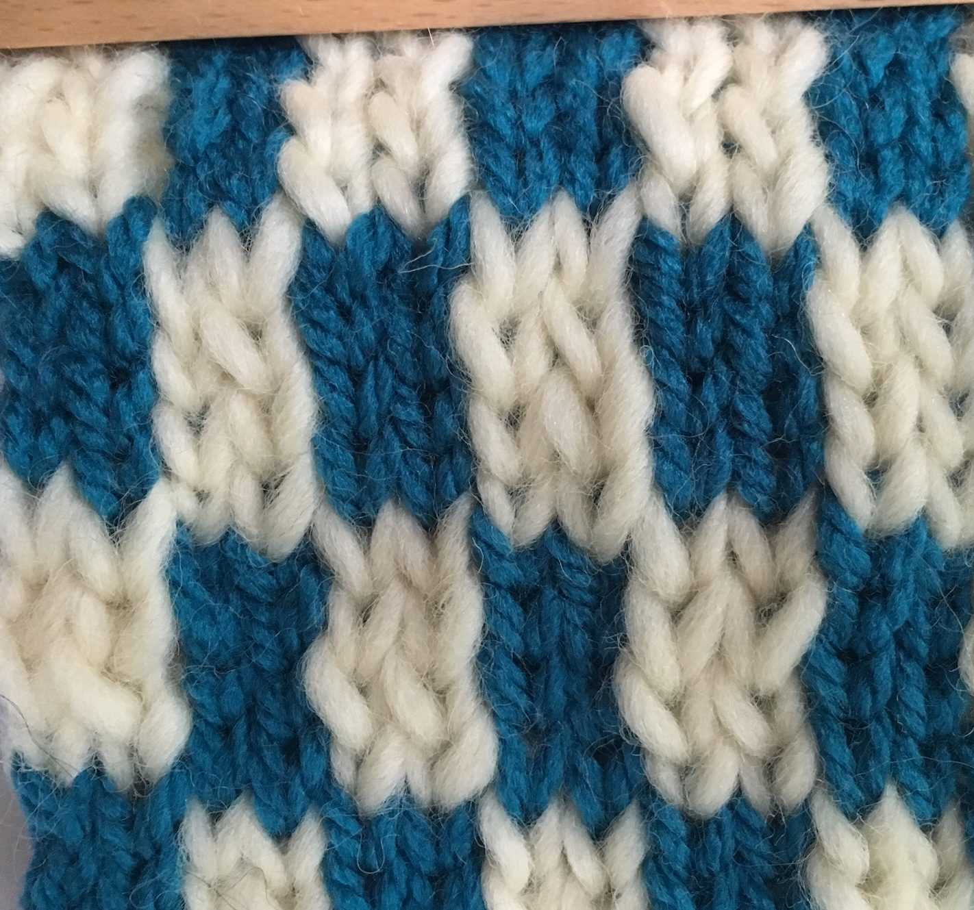 Vertical Striped Scarf Knitting Pattern Double Knit 101 Part Iv Color Changes Kb Looms Blog Kb Looms Blog