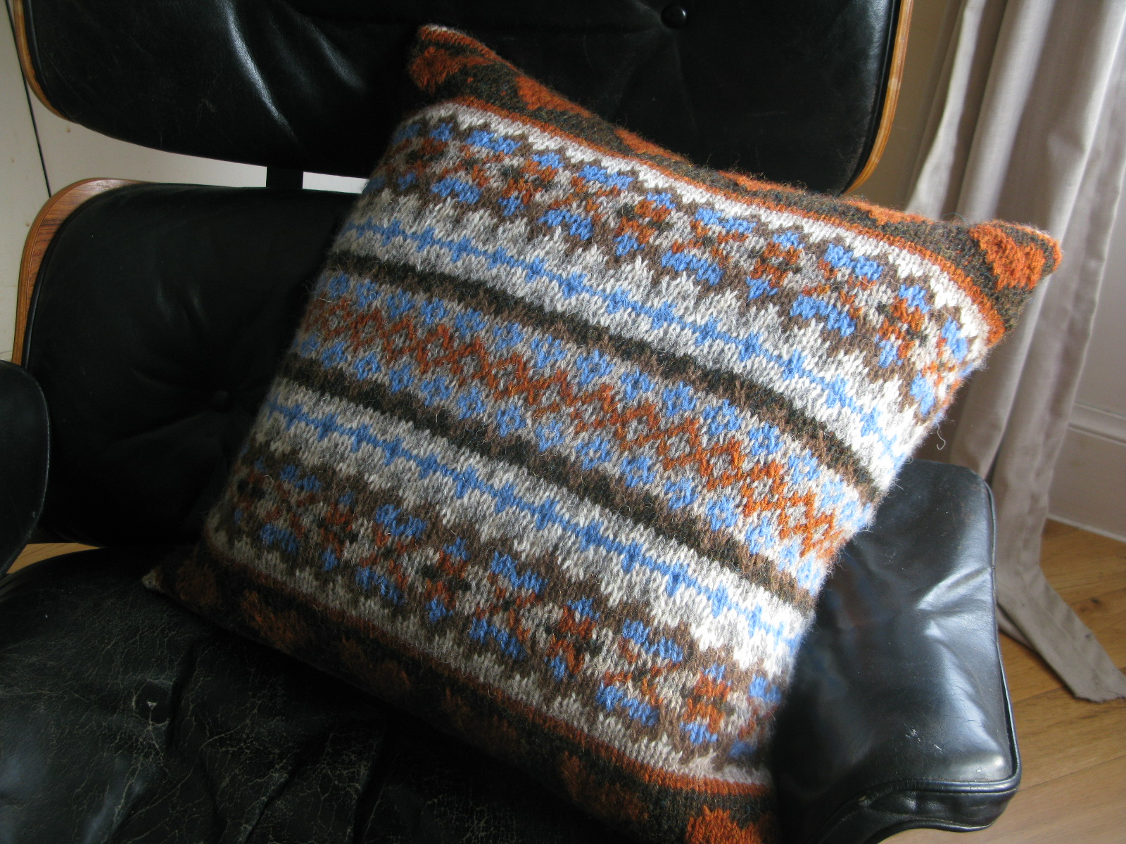 Free Cushion Cover Knitting Pattern Free Knitting Pattern Caora Fibres