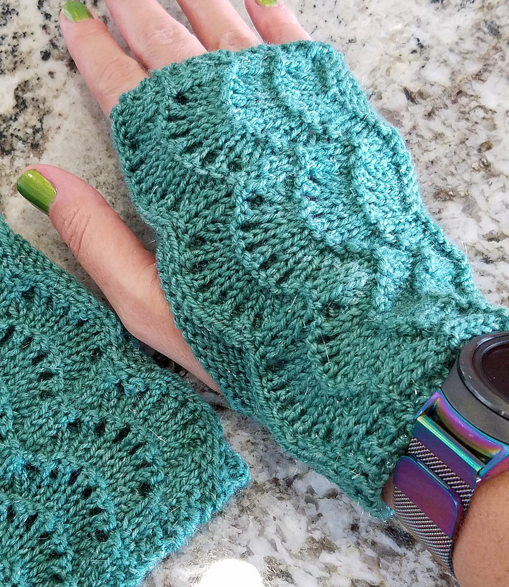 Knitting Pattern For Gloves Easy Mitts Knit Flat Knitting Patterns In The Loop Knitting