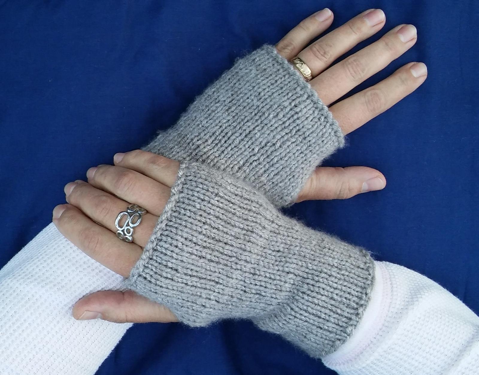 Knitting Pattern For Gloves Fingerless Gloves Knitting Pattern Lovetoknow