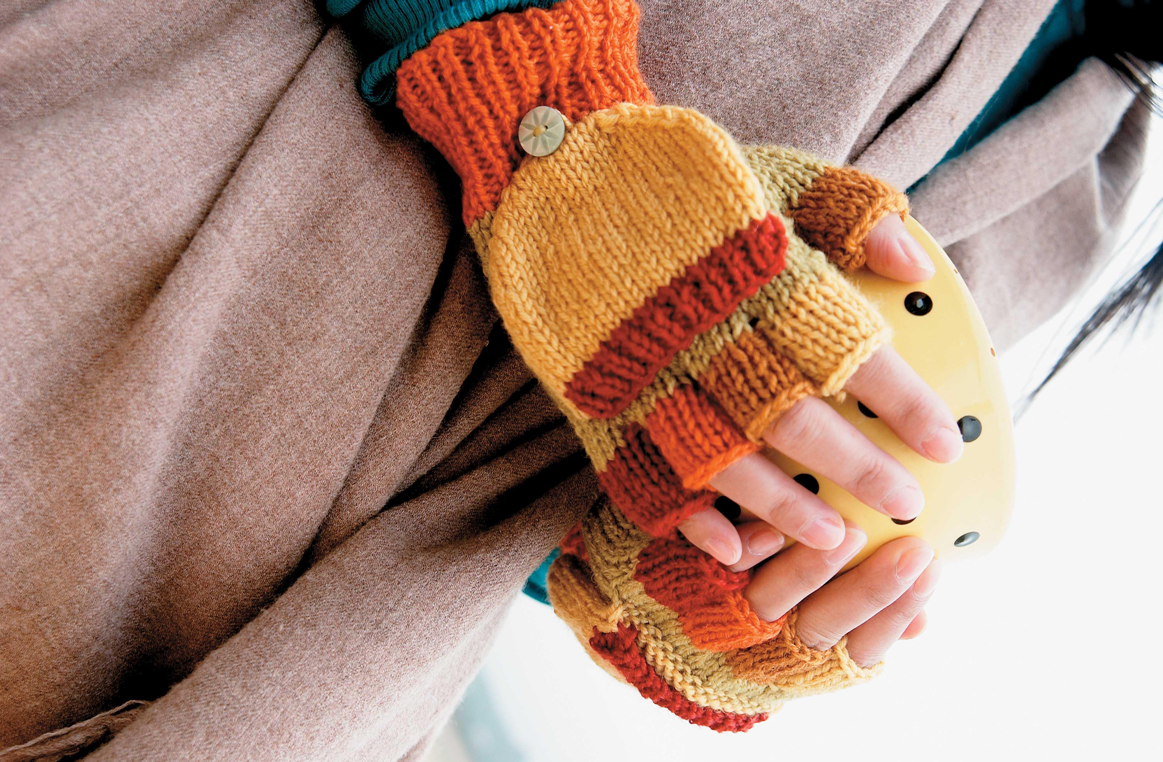 Knitting Pattern For Gloves Fingerless Gloves Knitting Pattern Thefashiontamer