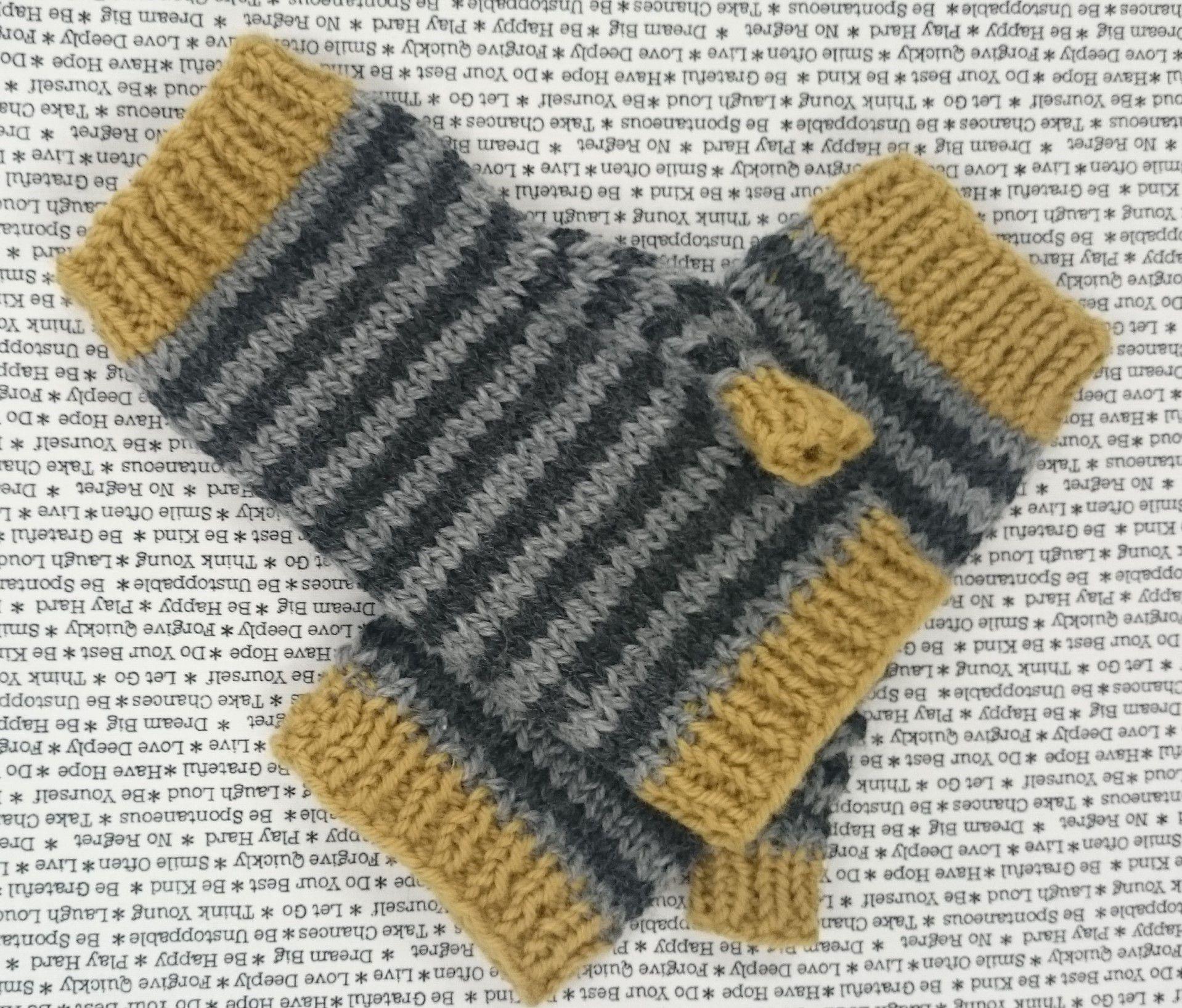 Knitting Pattern For Gloves Funky Striped Fingerless Gloves Knitting Pattern