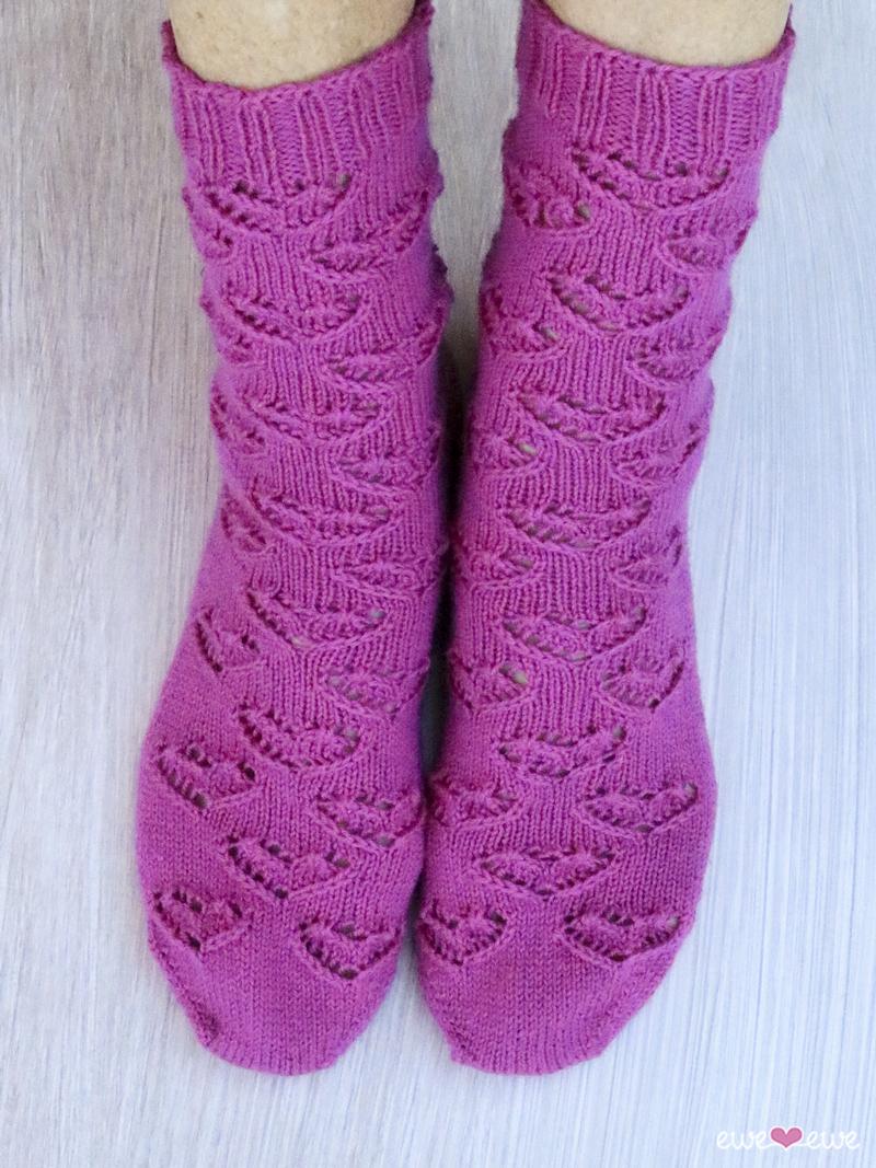 Knitting Patterns For Socks Ewe Heart Socks Pdf Knitting Pattern Ewe Ewe Yarns