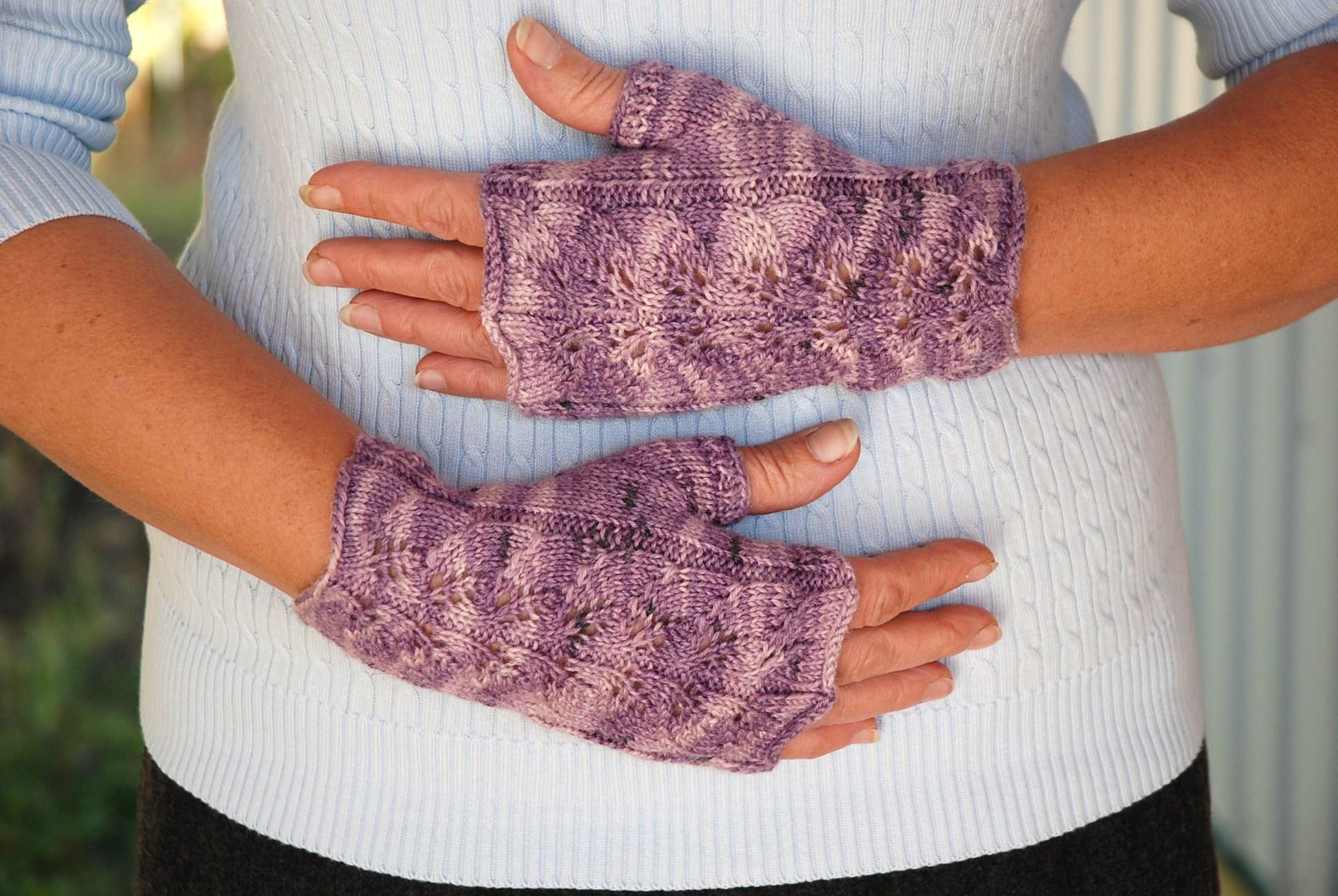 Mens Fingerless Gloves Knit Pattern Knitting Patterns Galore Twin Leaf Fingerless Gloves