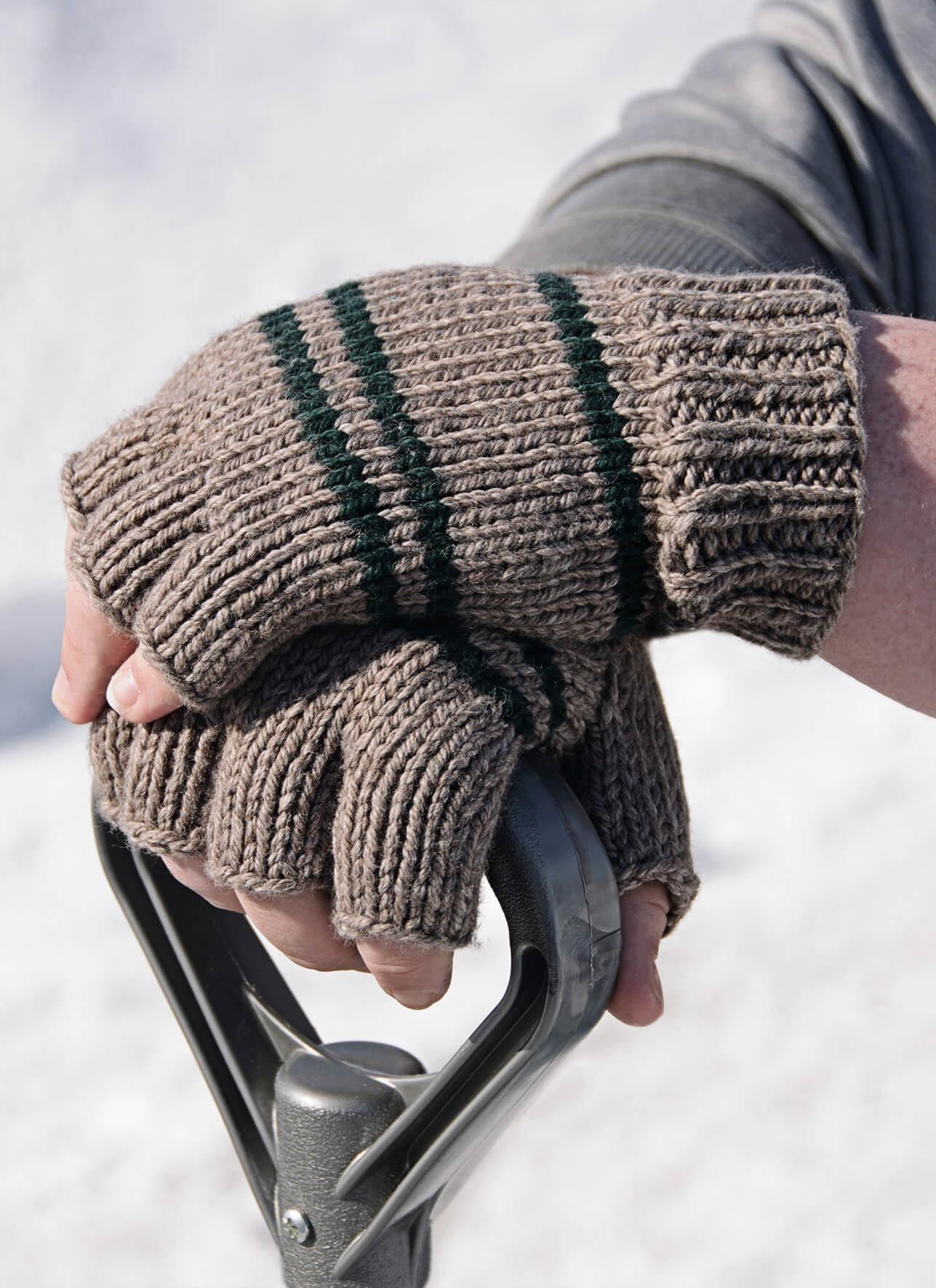 Mens Fingerless Gloves Knit Pattern Manly Fingerless Gloves Blue Sky Fibers