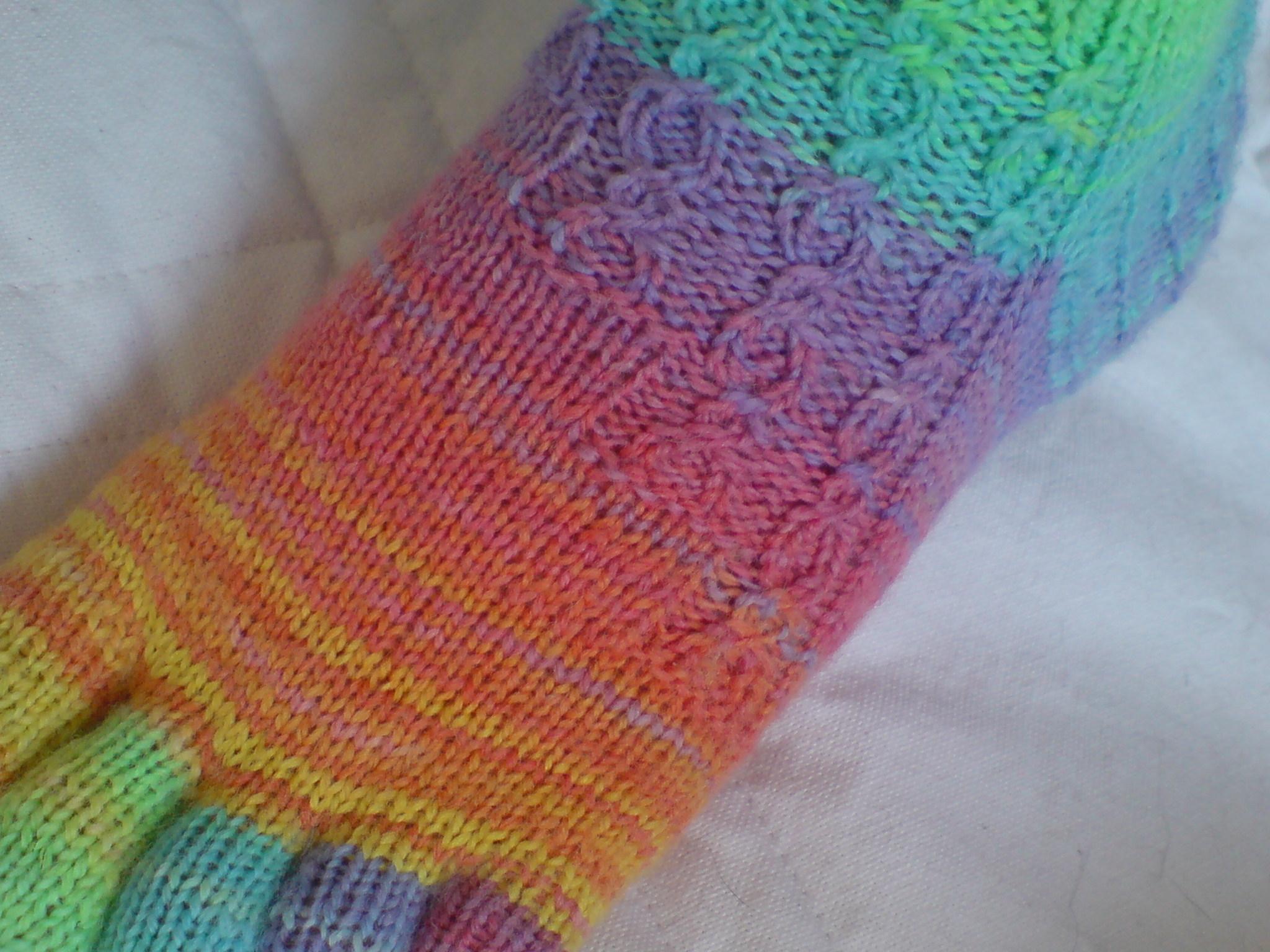 Toe Socks Knitting Pattern Sherbert Toe Socks Lyos August 2009 Loumms