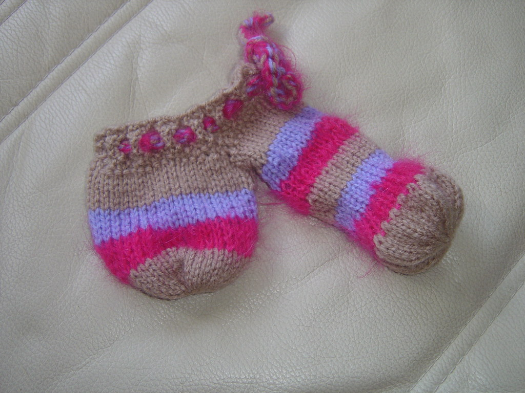 Willie Warmer Knitting Pattern Free Willy Warmer For Breast Cancer Raffle Knitted As A Novelty Flickr